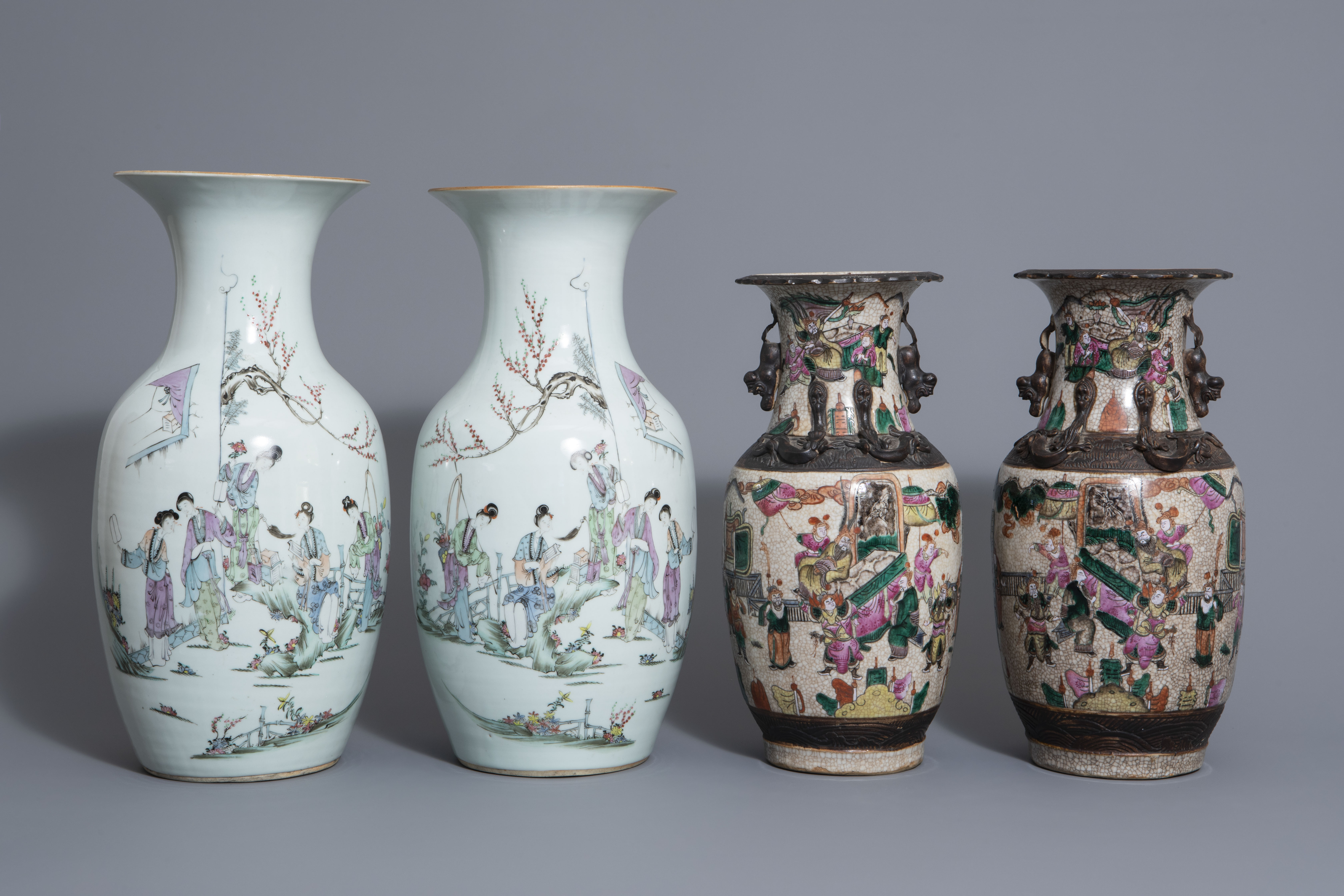 Two pairs of Chinese famille rose and Nanking crackle glazed vases, 19th/20th C. - Image 2 of 7