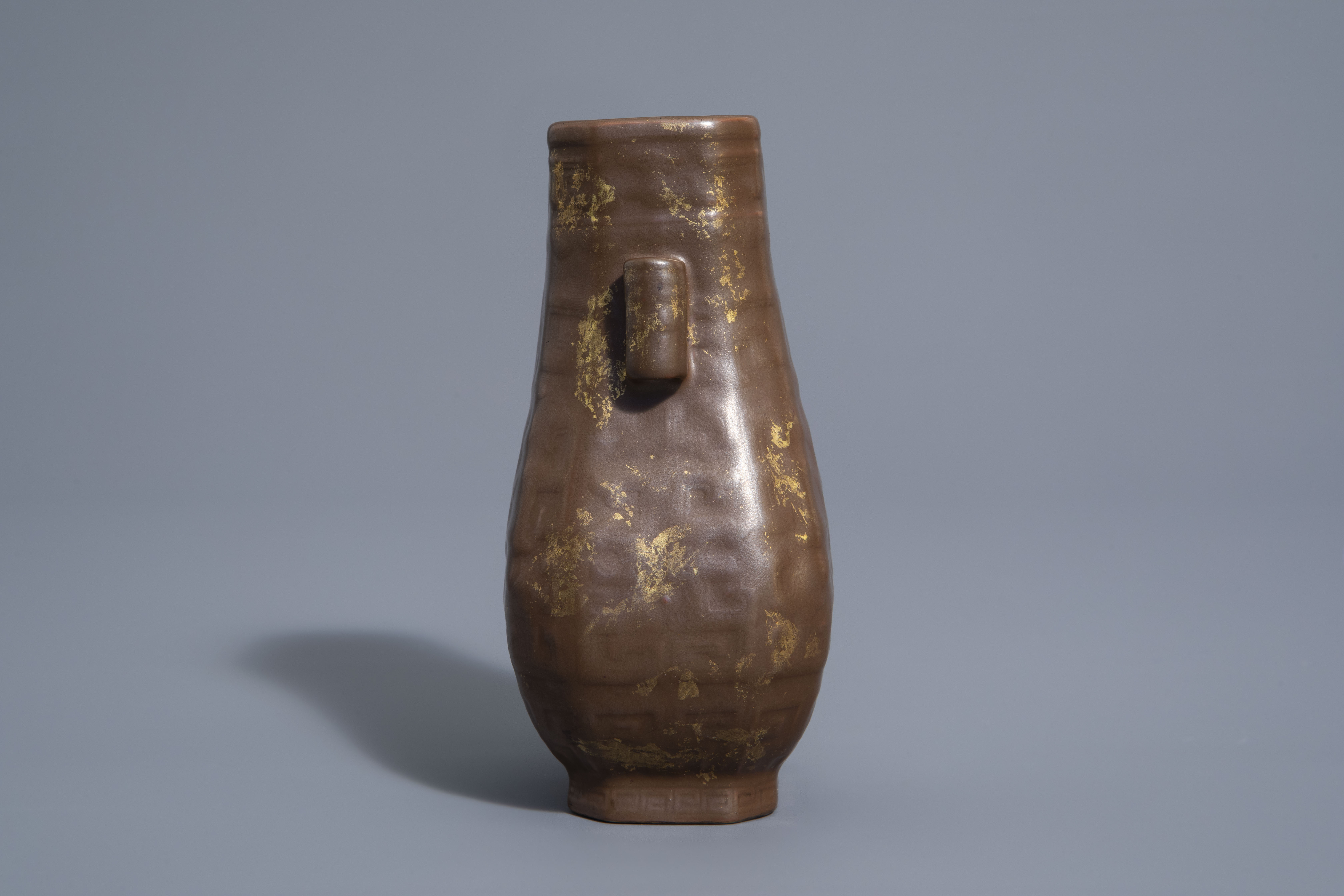 A Chinese porcelain faux-gilt-splashed-bronze vase, Qianlong mark, 19th/20th C. - Image 4 of 9