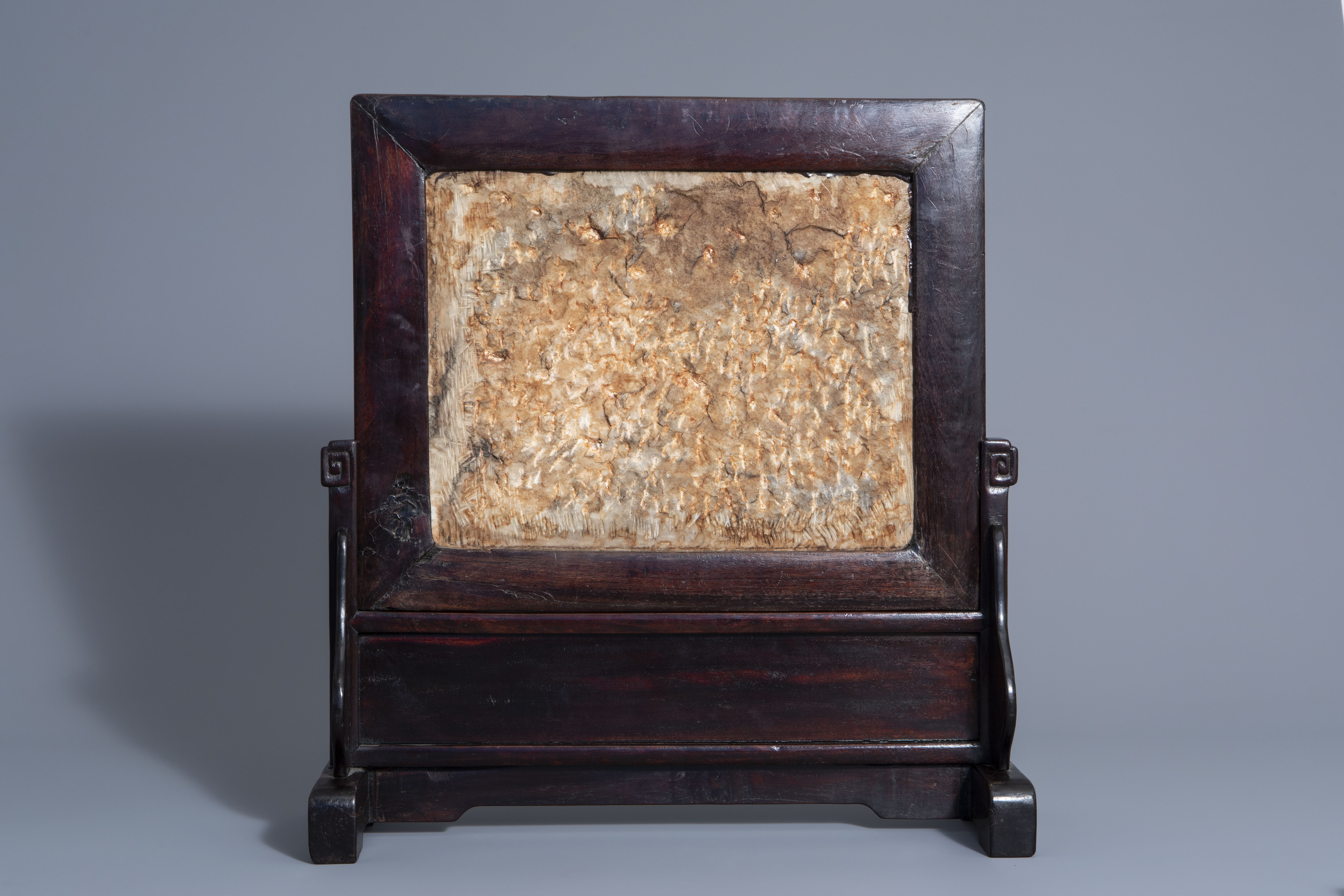 A Chinese wooden 'dream stone' table screen, 19th/20th C. - Image 3 of 4