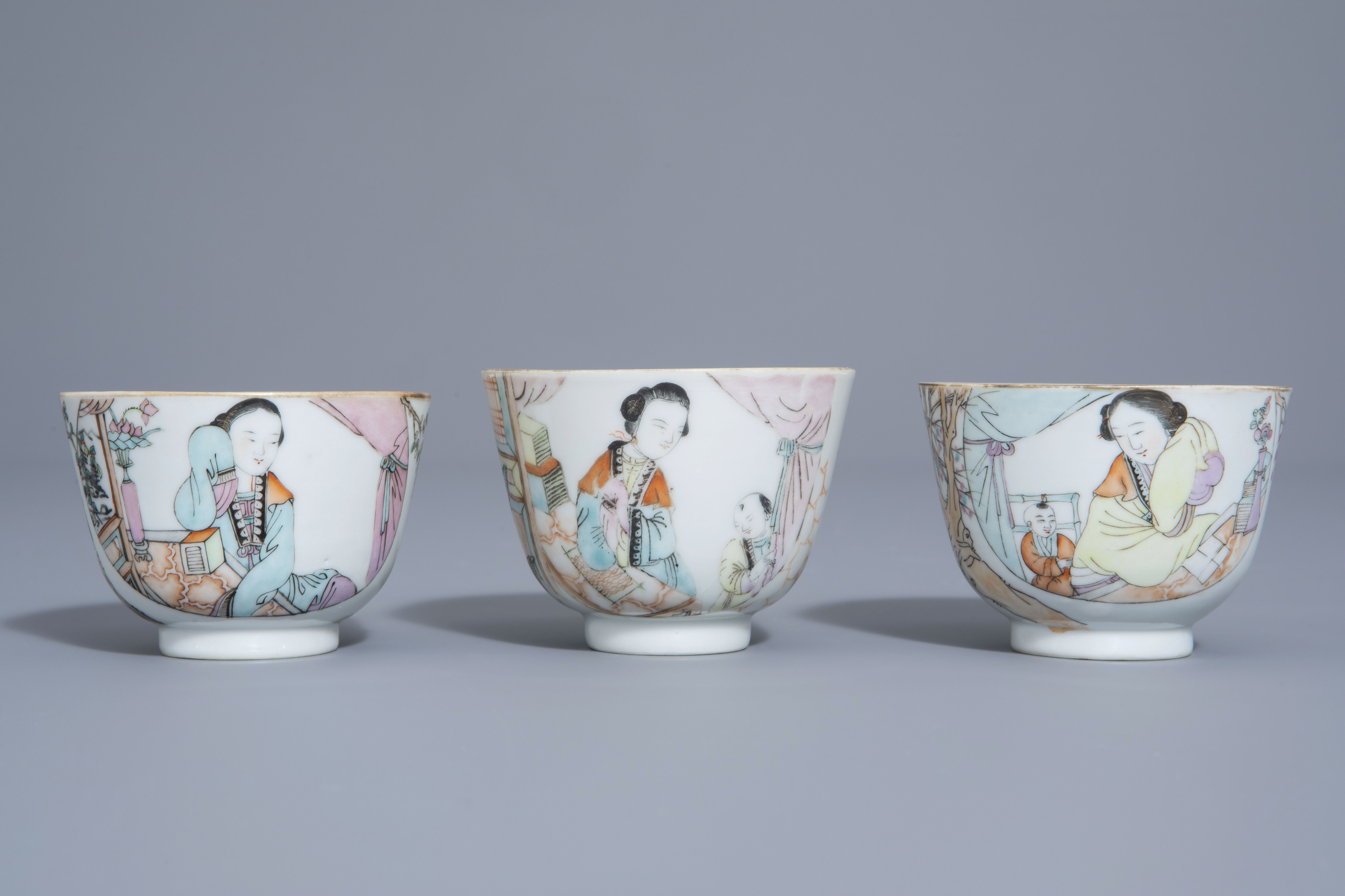 A Chinese seven-piece qianjiang cai tea service with figurative design, 19th/20th C. - Image 14 of 19