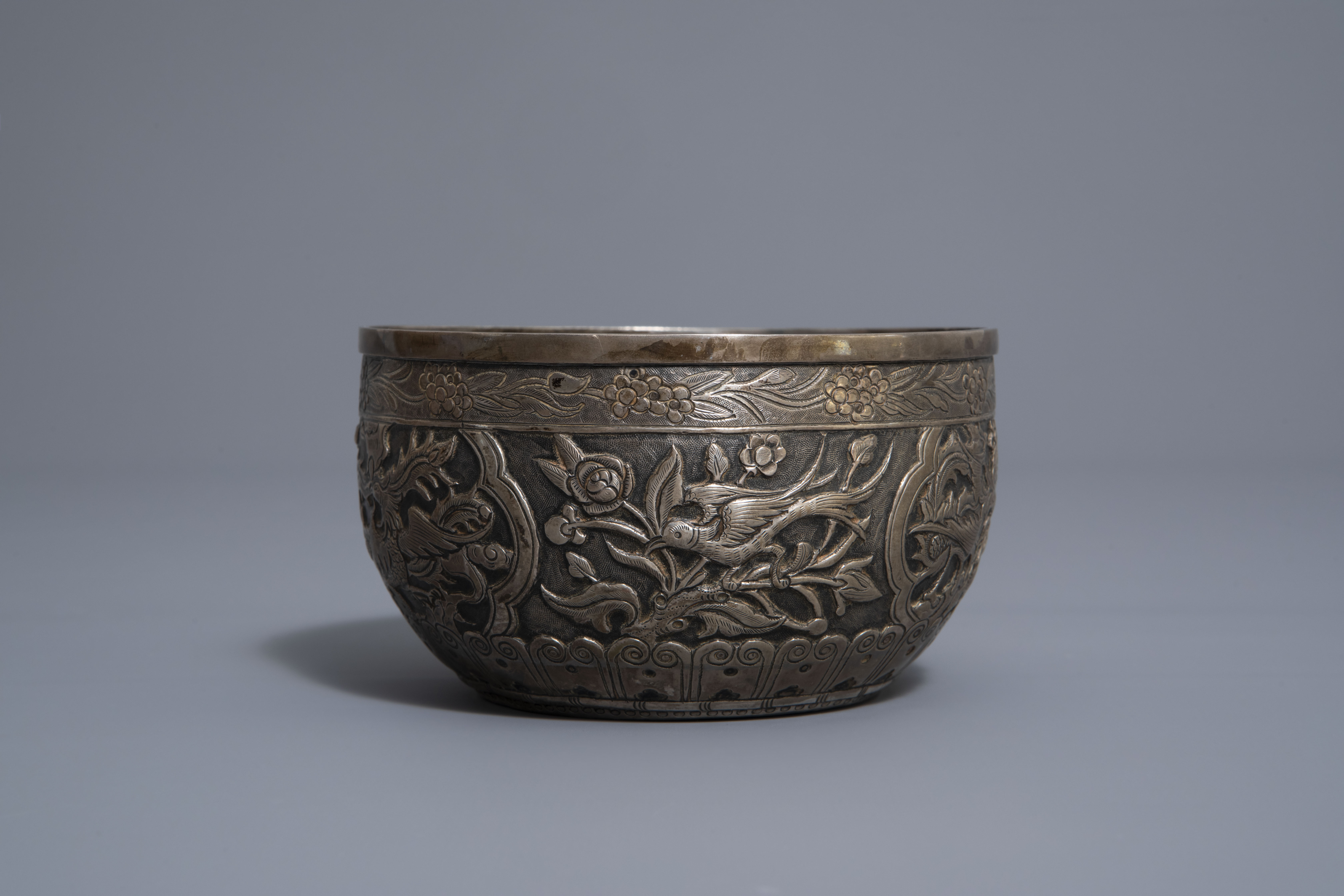 Five Chinese famille rose and silver cups and saucers and a bowl, 19th/20th C. - Image 11 of 17