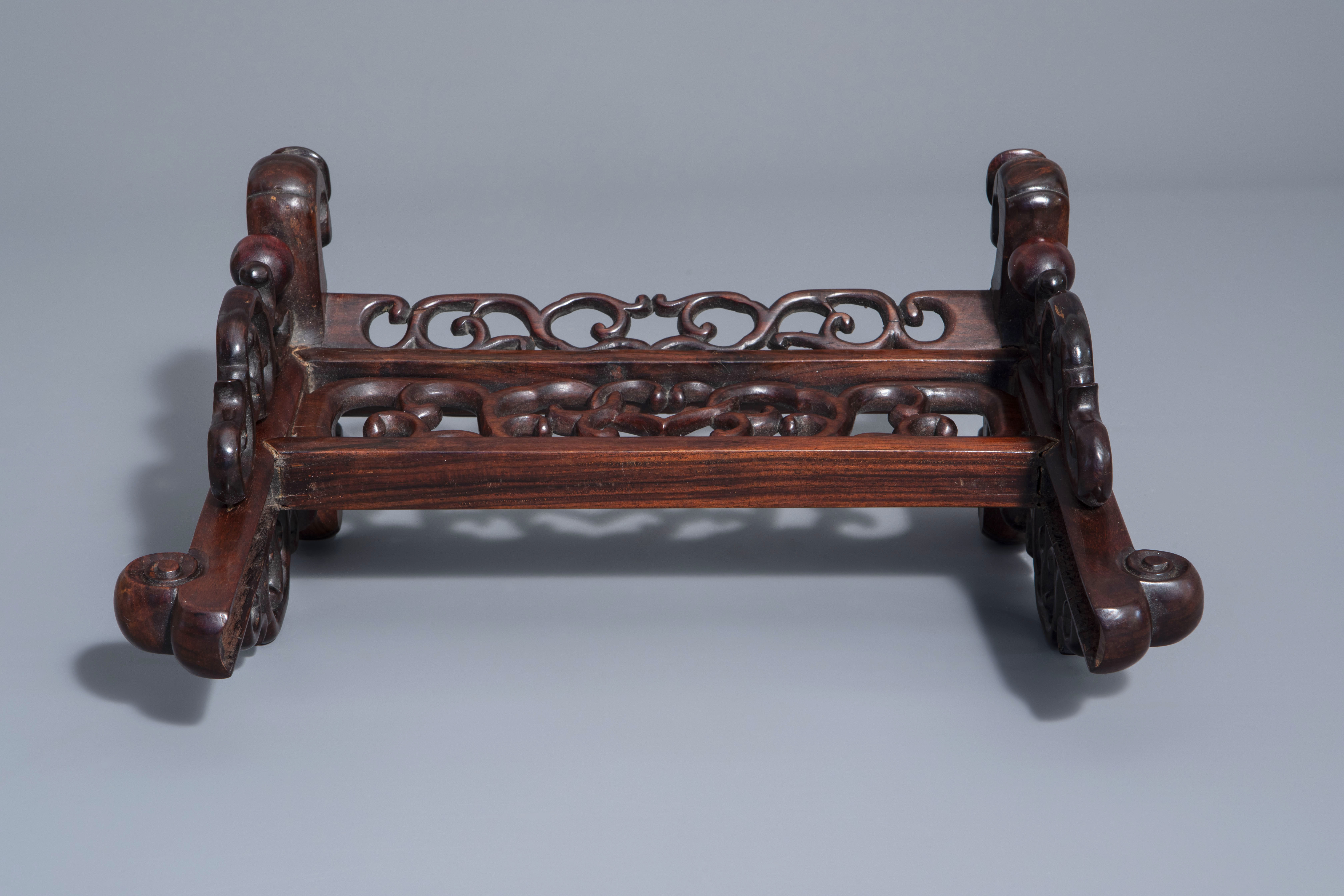 A Chinese wooden table screen with a famille rose plaque with the three star gods, 19th C. - Image 7 of 7