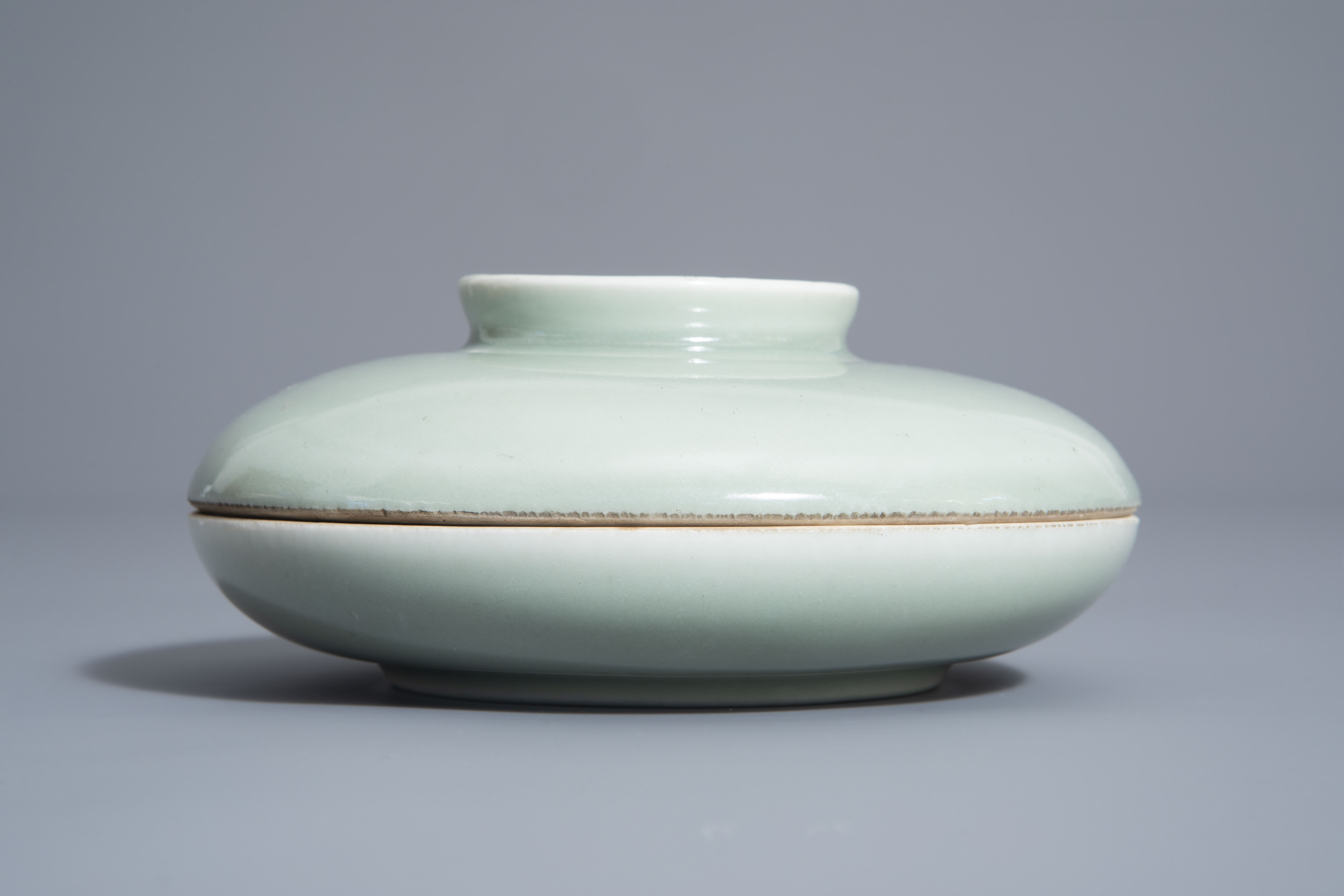 A Chinese celadon spice box, Qianlong mark, 19th C. - Image 2 of 12