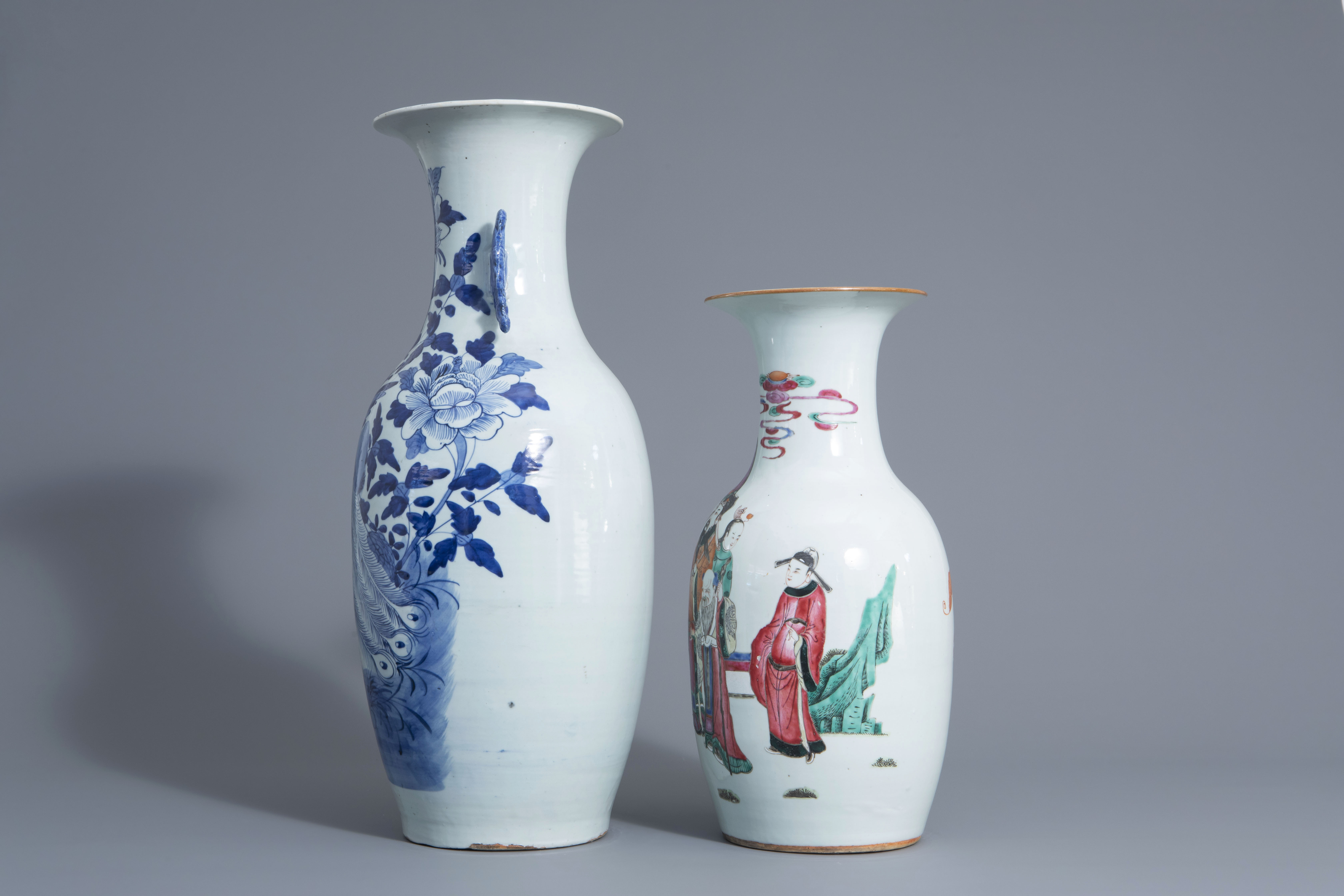Two Chinese famille rose and blue and white vases with different designs, 19th/20th C. - Image 4 of 6