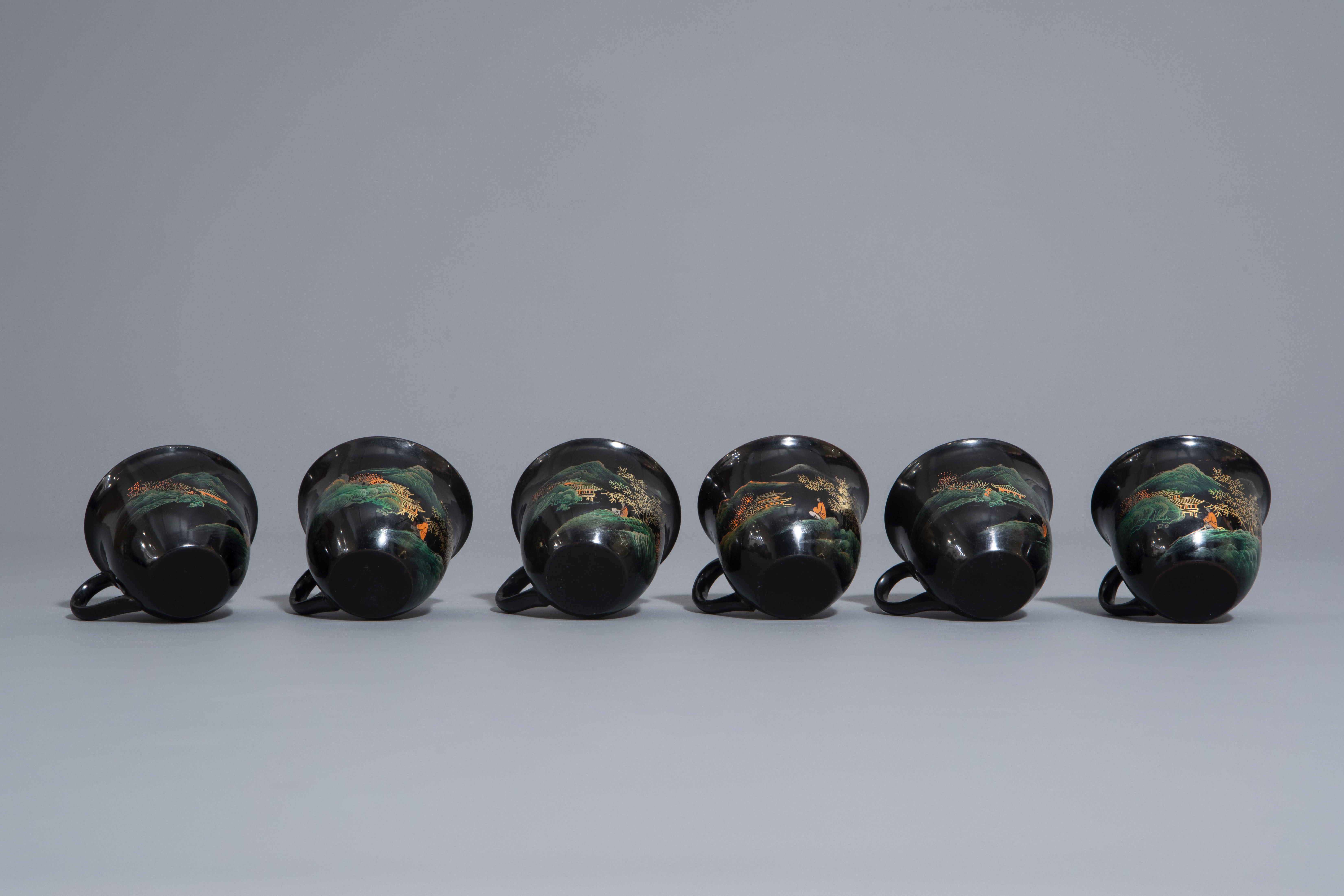 An extensive Chinese Foochow lacquer Shen Shao'an style coffee and tea service, 20th C. - Image 21 of 23