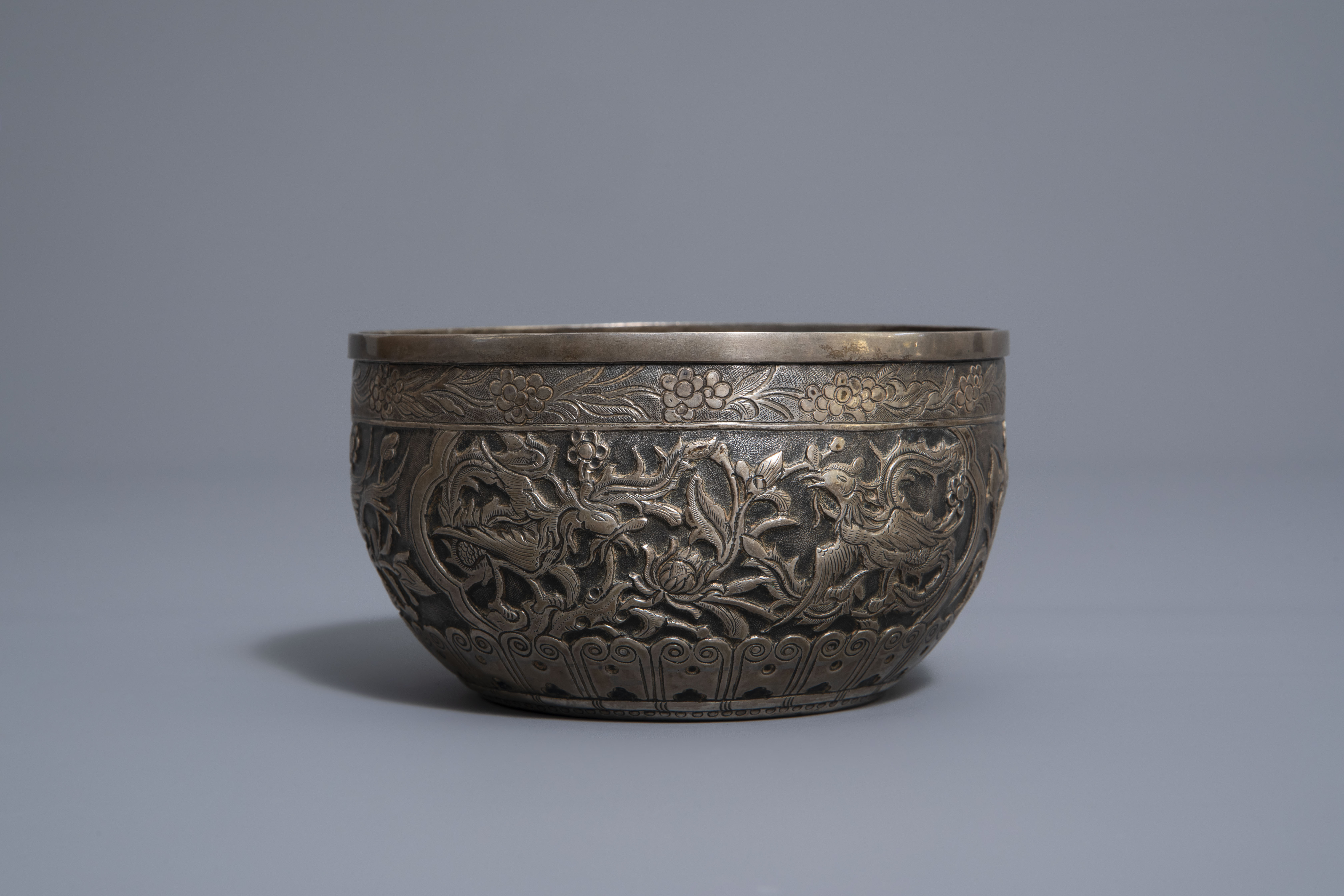 Five Chinese famille rose and silver cups and saucers and a bowl, 19th/20th C. - Image 10 of 17