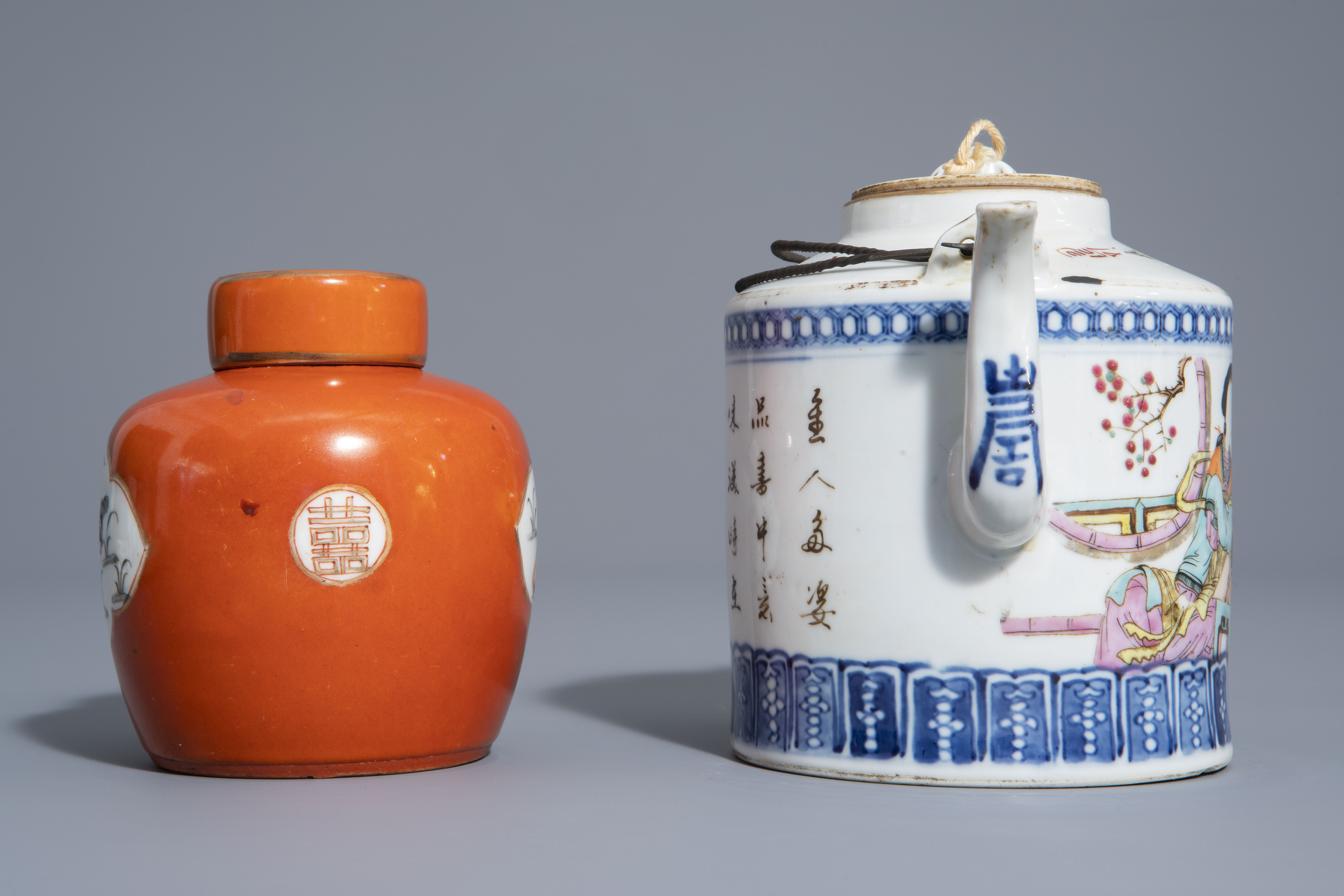 A varied collection of Chinese qianjiang cai and famille rose porcelain, 19th/20th C. - Image 7 of 11