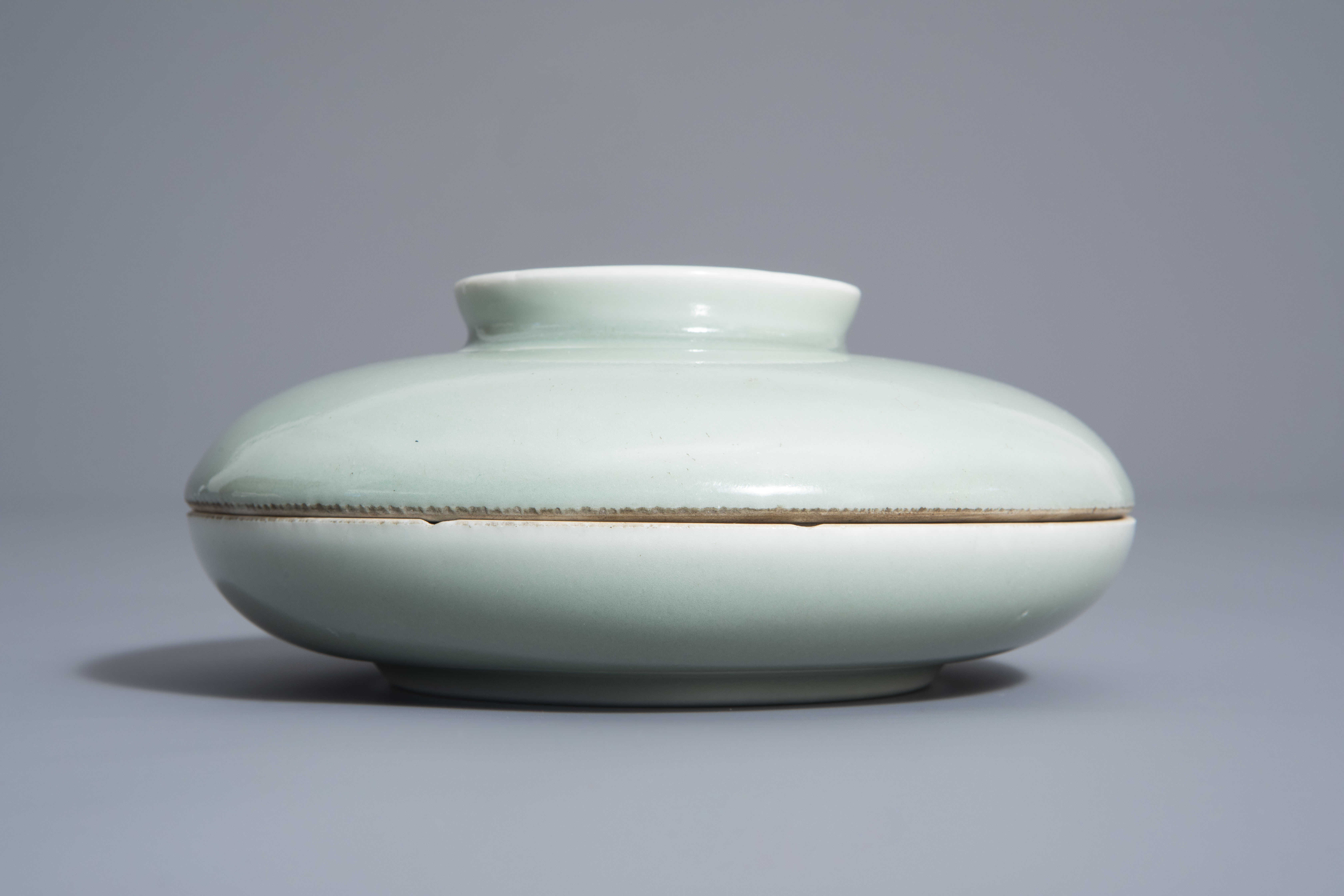 A Chinese celadon spice box, Qianlong mark, 19th C. - Image 3 of 12