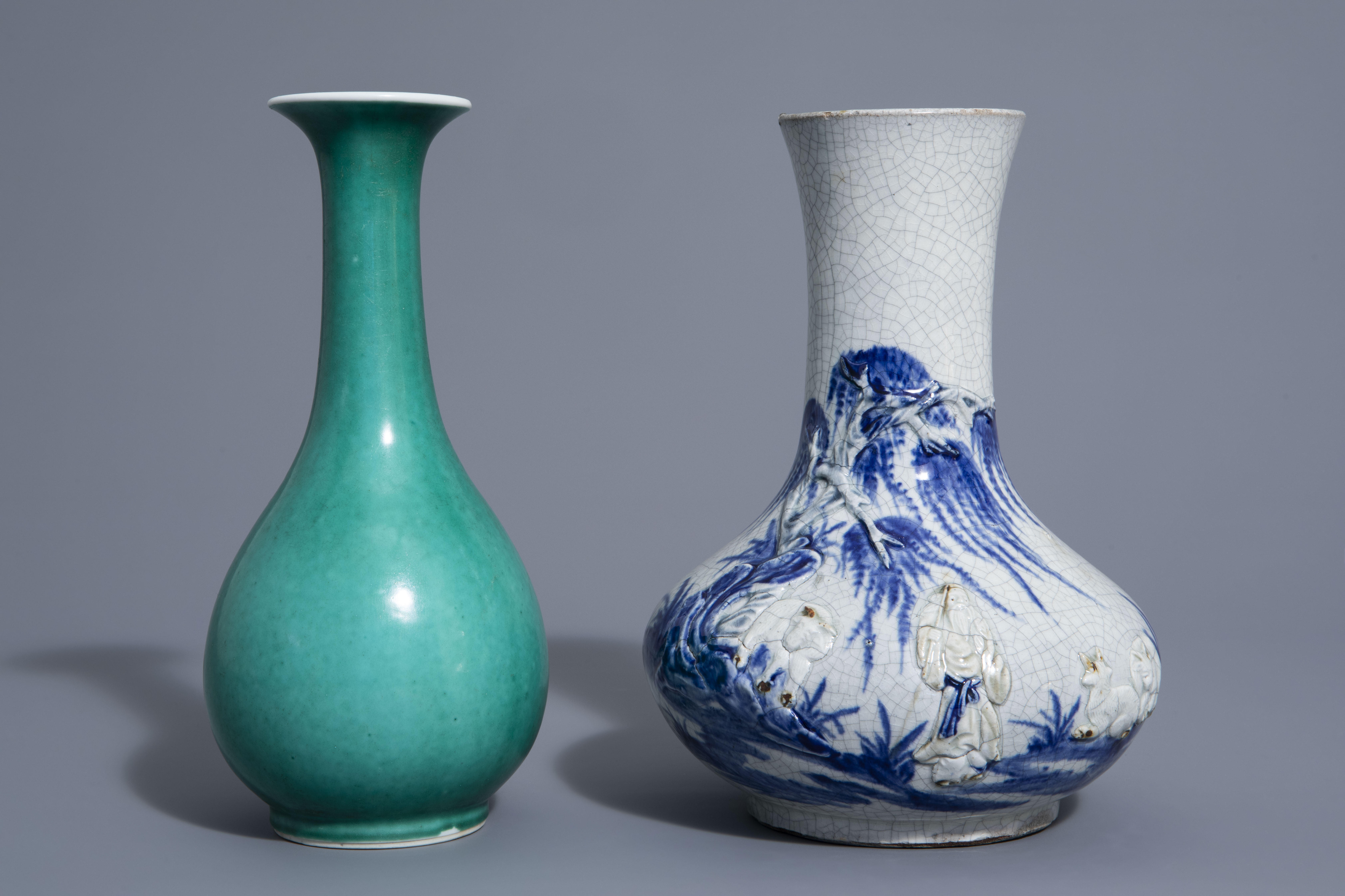A Chinese blue & white crackle glazed vase, a monochrome green vase and a brushwasher, 19th/20th C. - Image 2 of 13