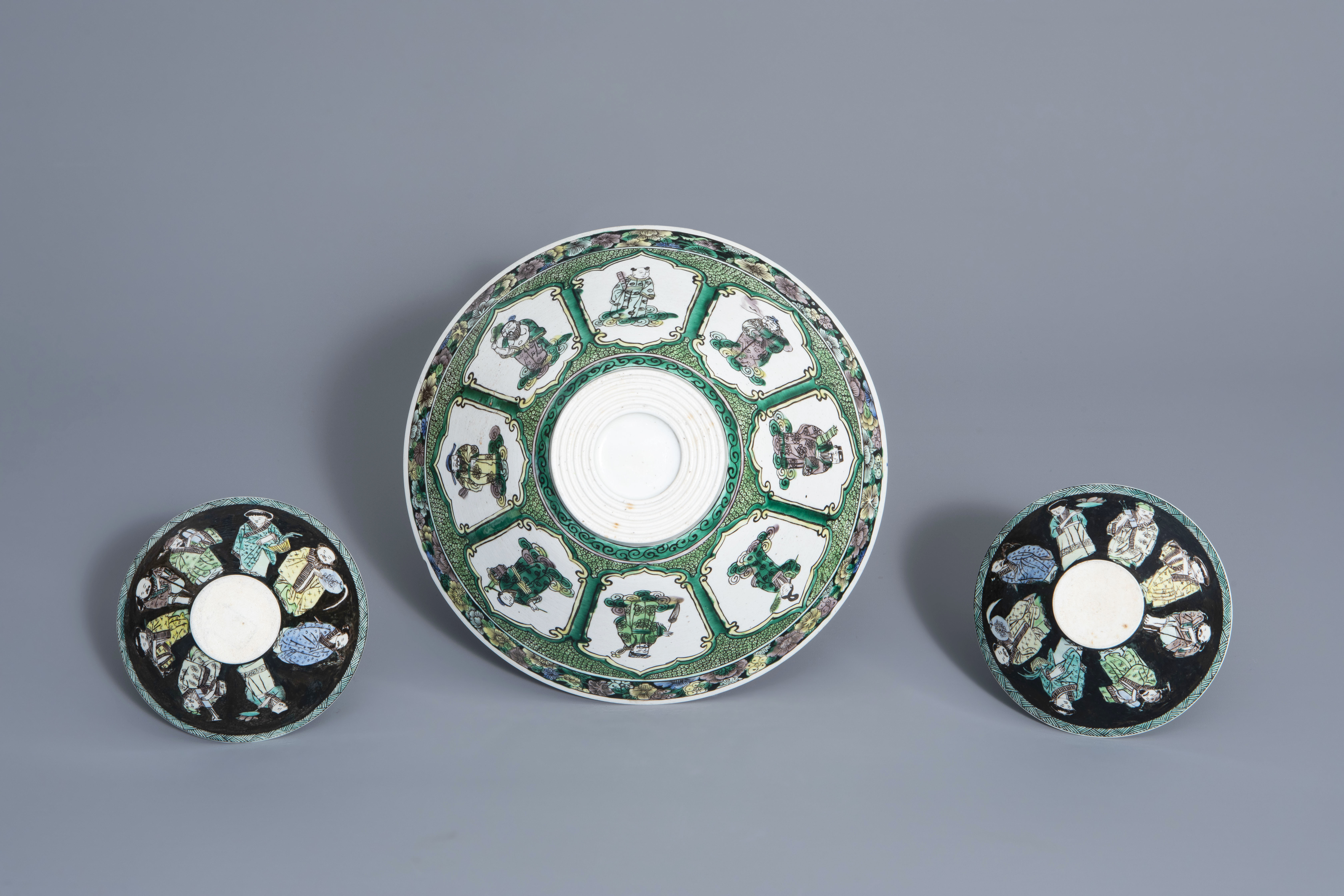 Three Chinese verte biscuit bowls with figurative design, Republic, 20th C. - Image 7 of 7
