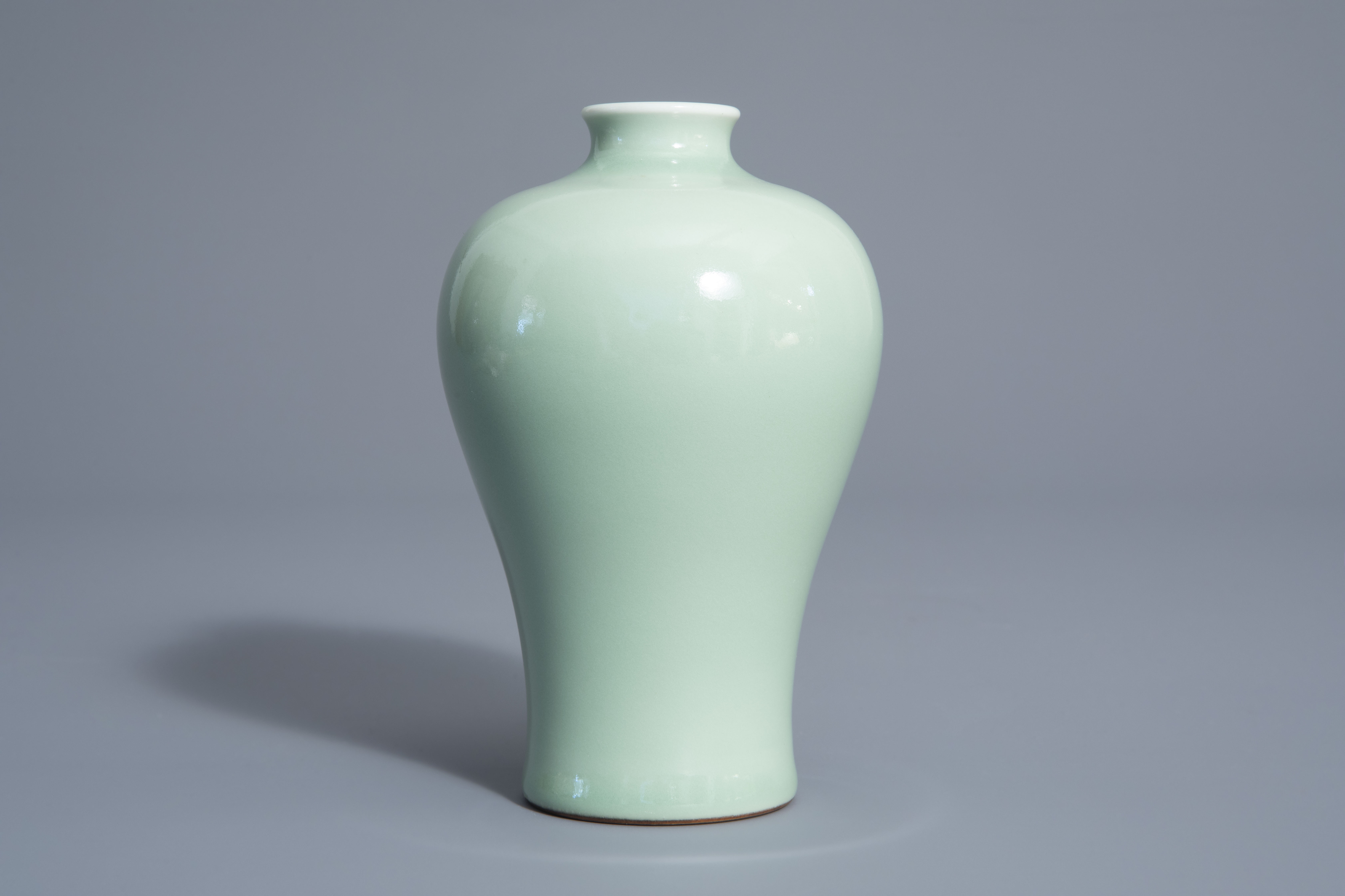 A Chinese monochrome celadon meiping vase, Qianlong mark, 19th/20th C. - Image 4 of 6