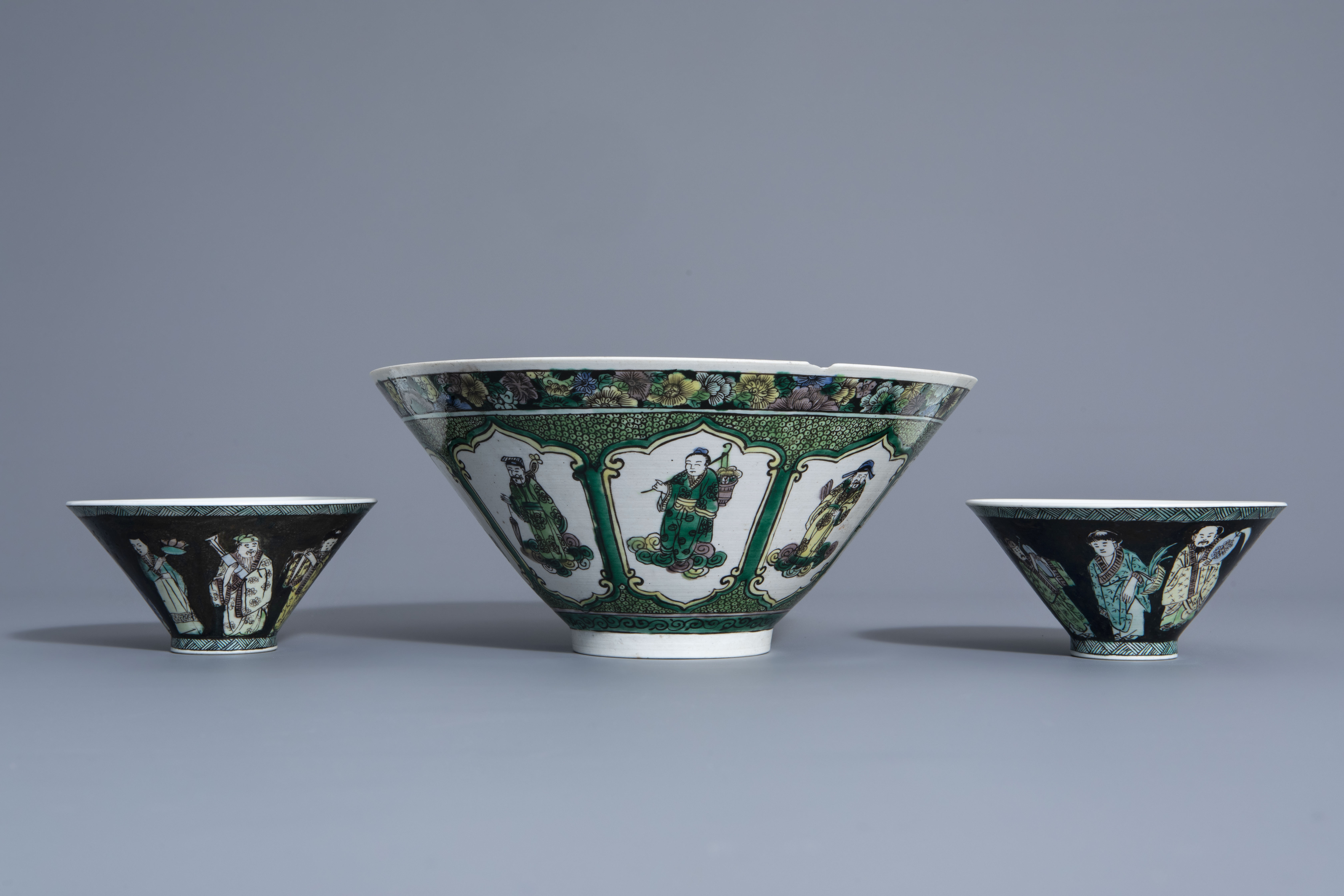 Three Chinese verte biscuit bowls with figurative design, Republic, 20th C. - Image 4 of 7