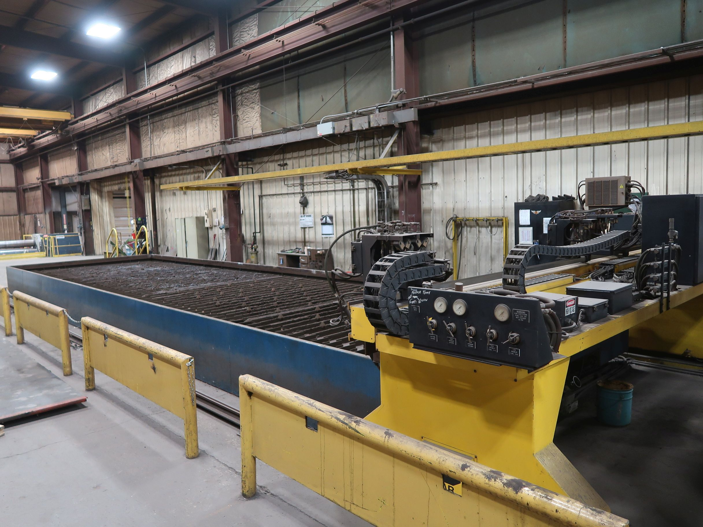 12' X 40' ESAB MODEL AVENGER 1-12 VISION PLASMA TABLE W/ BURNY 10 CONTROL; S/N 0560986386, UPDATED - Image 4 of 23