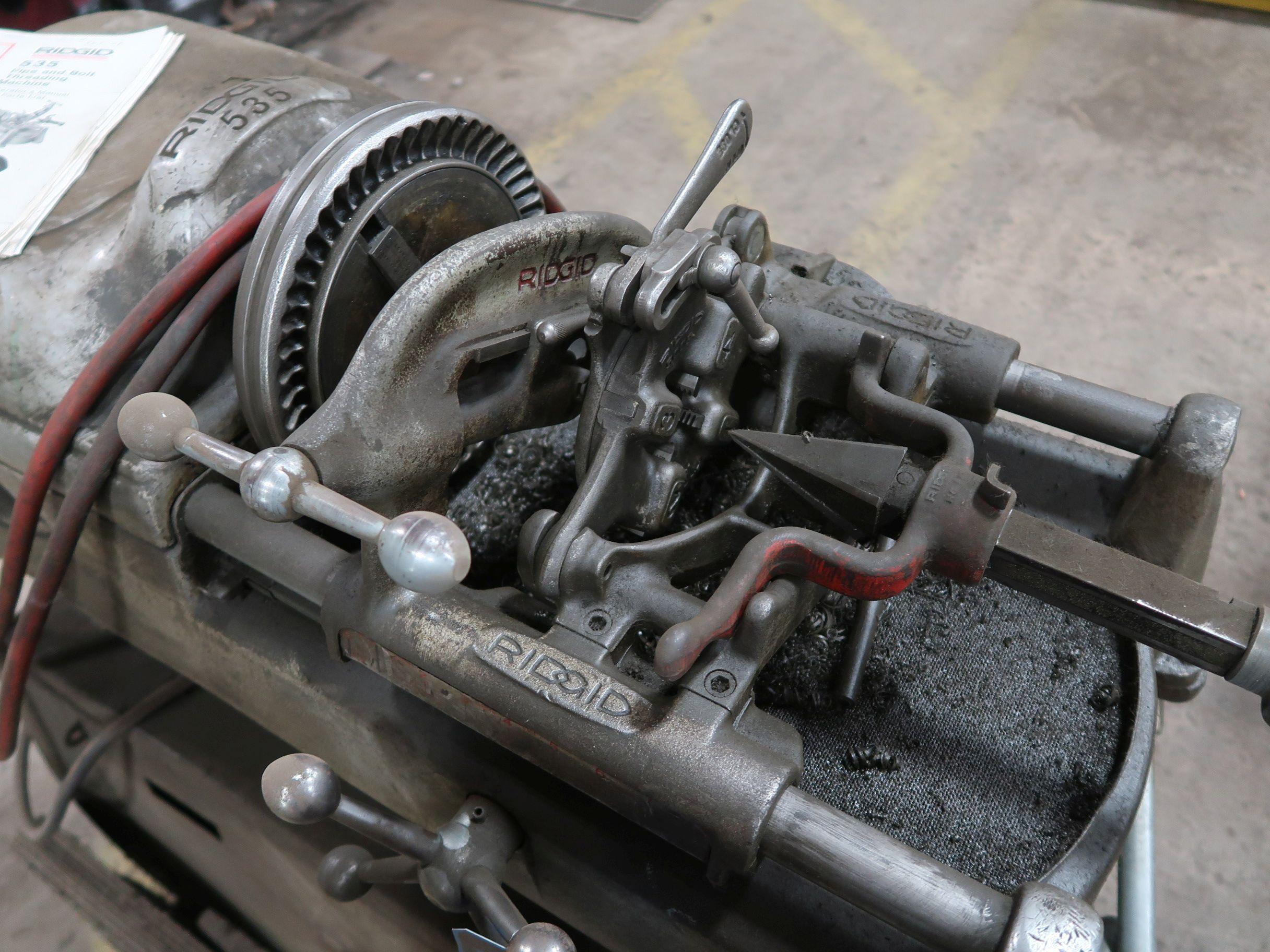"RIGID MODEL 535 PORTABLE PIPE & BOLT THREADING MACHINE W/ RIGID NO. 450 1/8"" - 5"" TRISTAND - Image 3 of 4"