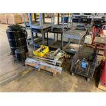 (LOT) GREASE GUNS, DRUM PUMPS AND OIL RECOVERY DRUM