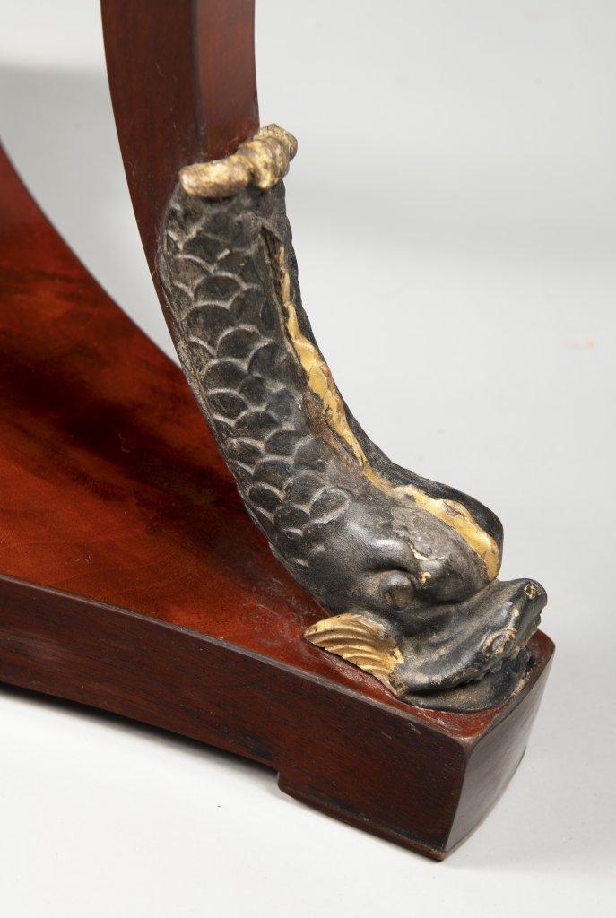 AN EMPIRE SIDE TABLE Ca. 1810 Austria Vídeò Mahogany, gilt bronze 76 cm, ?53 cm This elegant - Image 3 of 3
