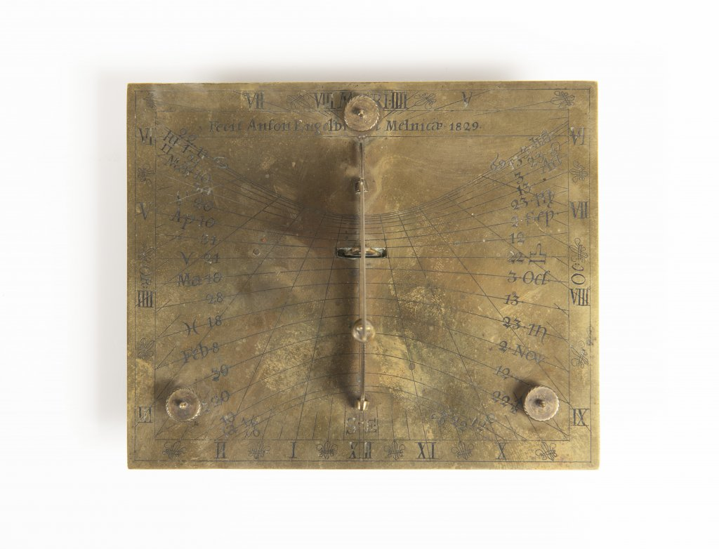 ANTON ENGELBRECHT 1780 - 1831: A SUNDIAL 1829 Bohemia Mìlník Brass 9 x 13 x 10 cm This engraved - Image 2 of 2