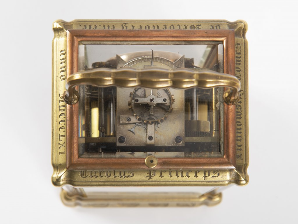 JOHANNES HARTMANN: A TRAVEL ALARM CLOCK IN A CABINET 1861 Germany Berlín Gilt bronze 17,5 x 9 x 8, - Image 5 of 5
