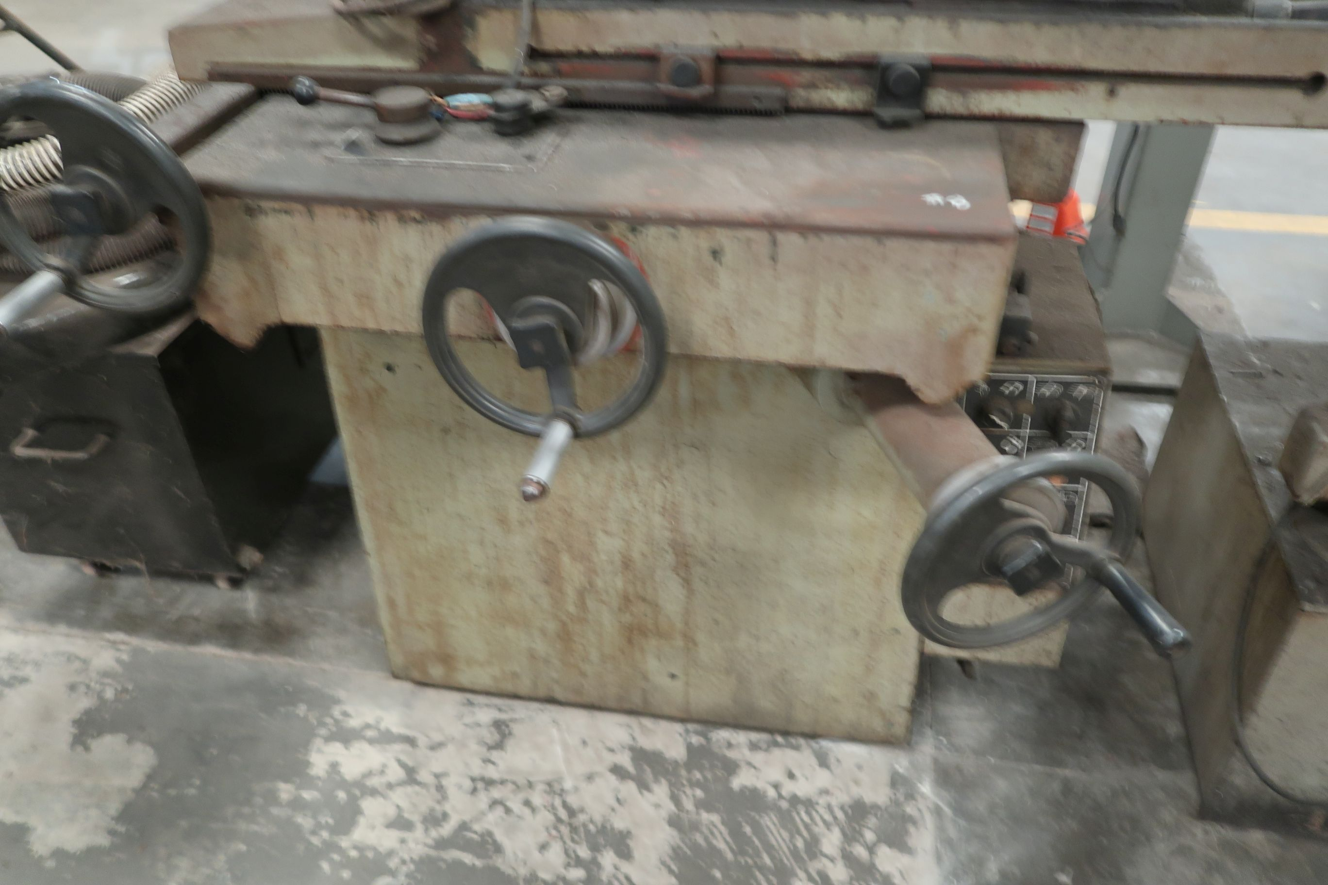 """8"""" X 16"""" KENT MODEL KGS-250AH HYDRAULIC SURFACE GRINDER; S/N 781202-17 WITH DUST COLLECTOR - Image 4 of 7"""