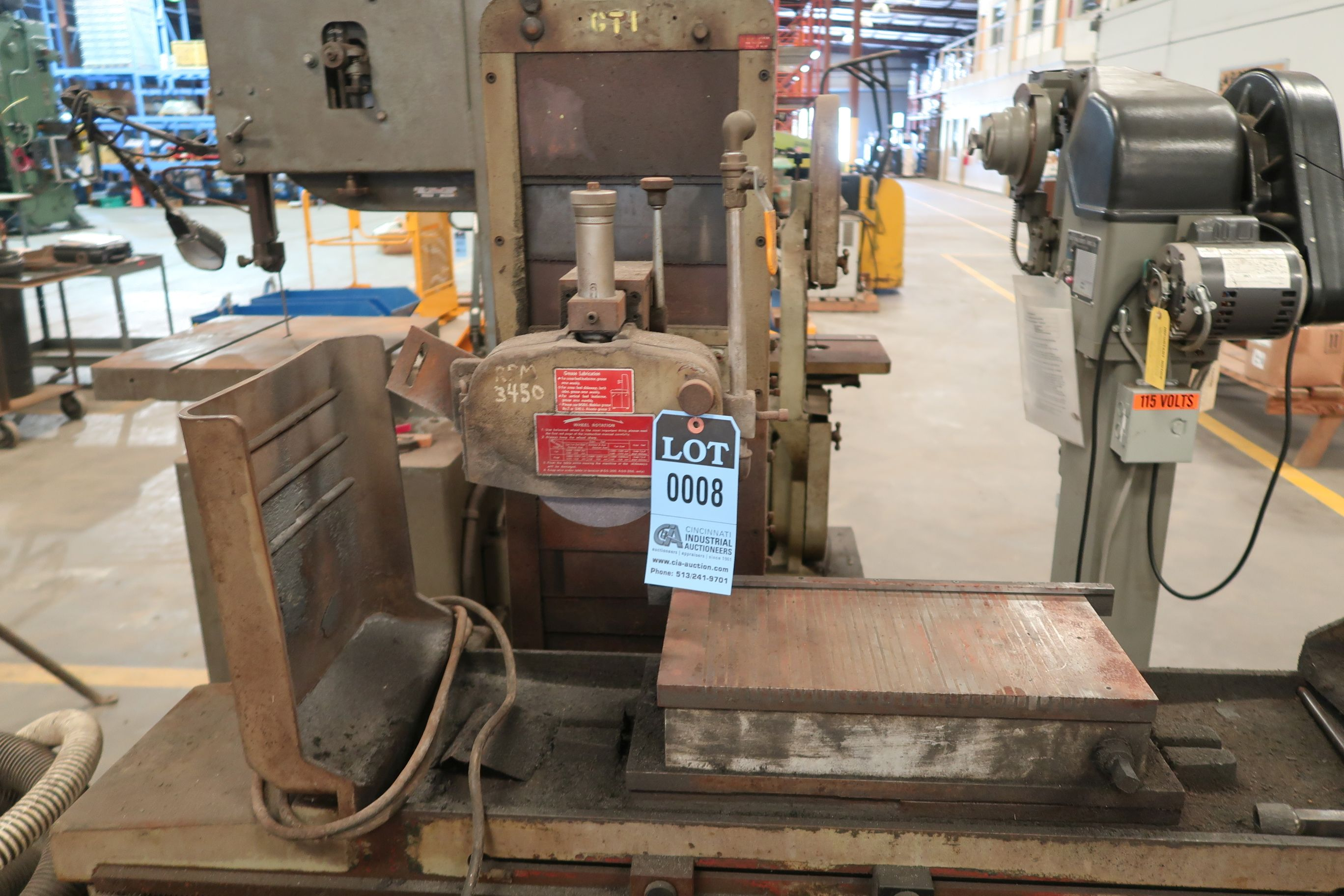 """8"""" X 16"""" KENT MODEL KGS-250AH HYDRAULIC SURFACE GRINDER; S/N 781202-17 WITH DUST COLLECTOR - Image 3 of 7"""
