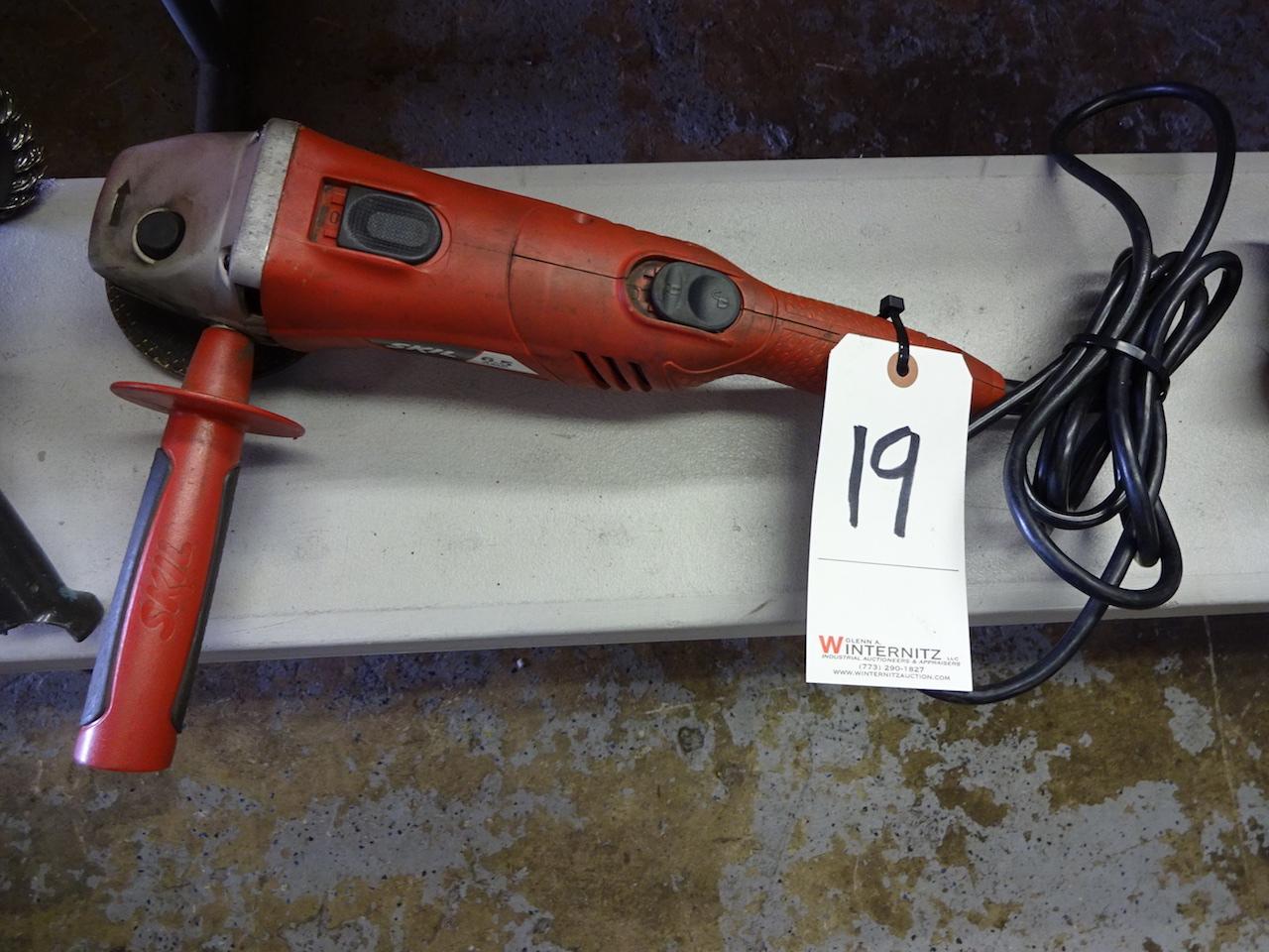Lot 19 - SKIL MODEL 9330 ANGLE GRINDER