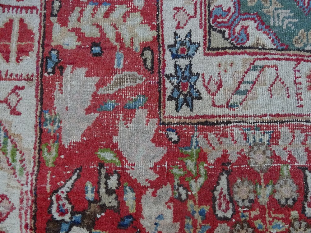 A Mahal rug, the chequered feel with a medallion to the centre, - Image 6 of 8