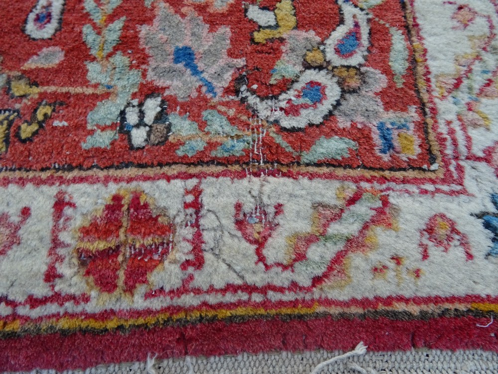 A Mahal rug, the chequered feel with a medallion to the centre, - Image 2 of 8