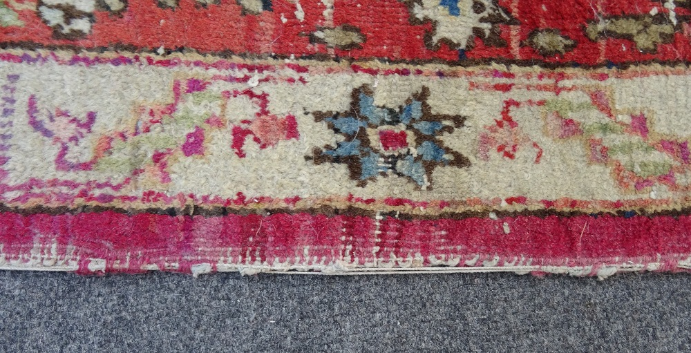 A Mahal rug, the chequered feel with a medallion to the centre, - Image 4 of 8