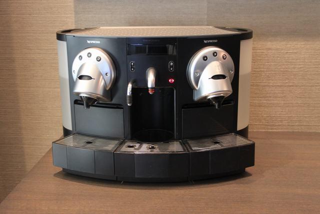 nespresso gemini cs 220 pro coffee machine double head. Black Bedroom Furniture Sets. Home Design Ideas