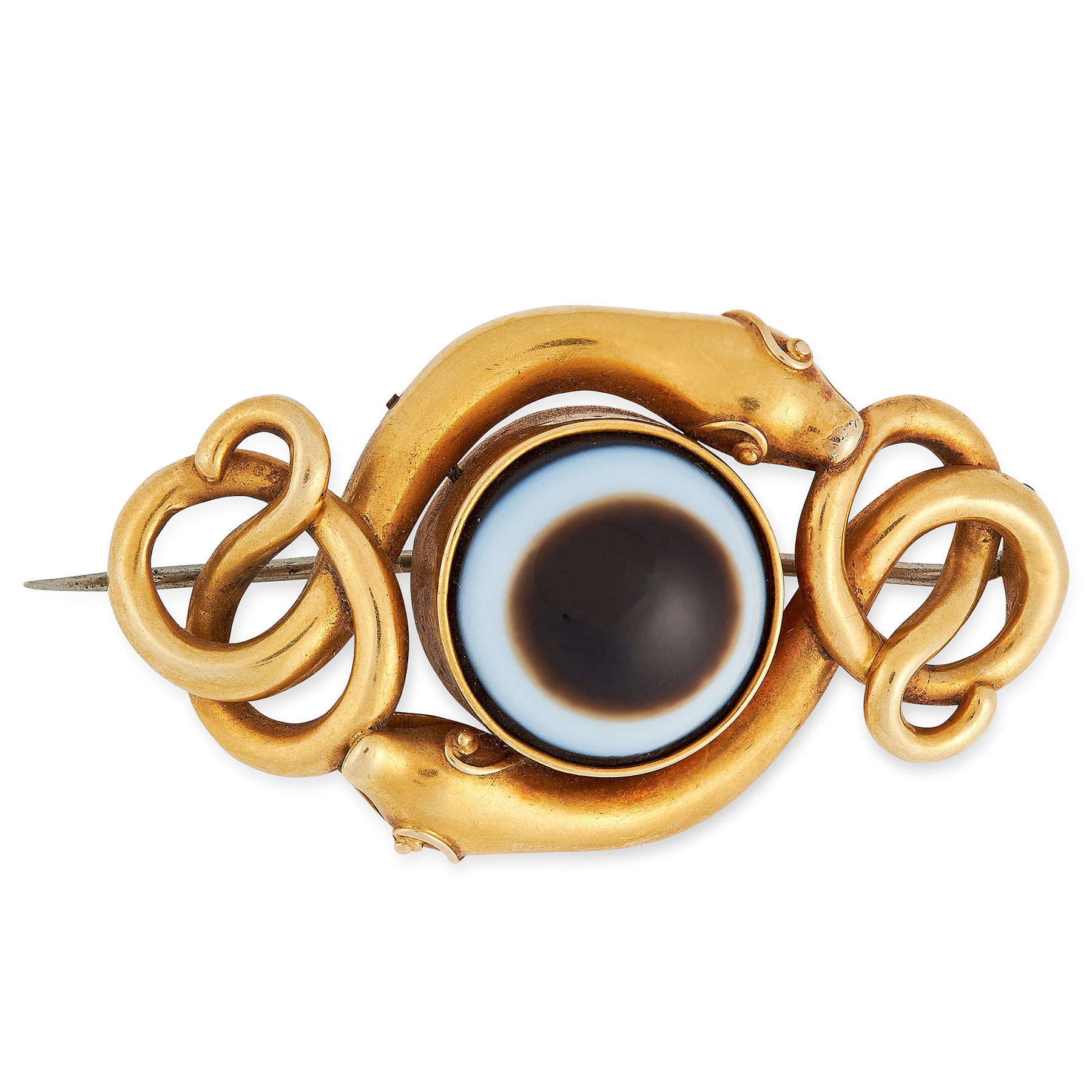 AN ANTIQUE BANDED AGATE MOURNING BROOCH, 19TH CENTURY in high carat yellow gold, set with a