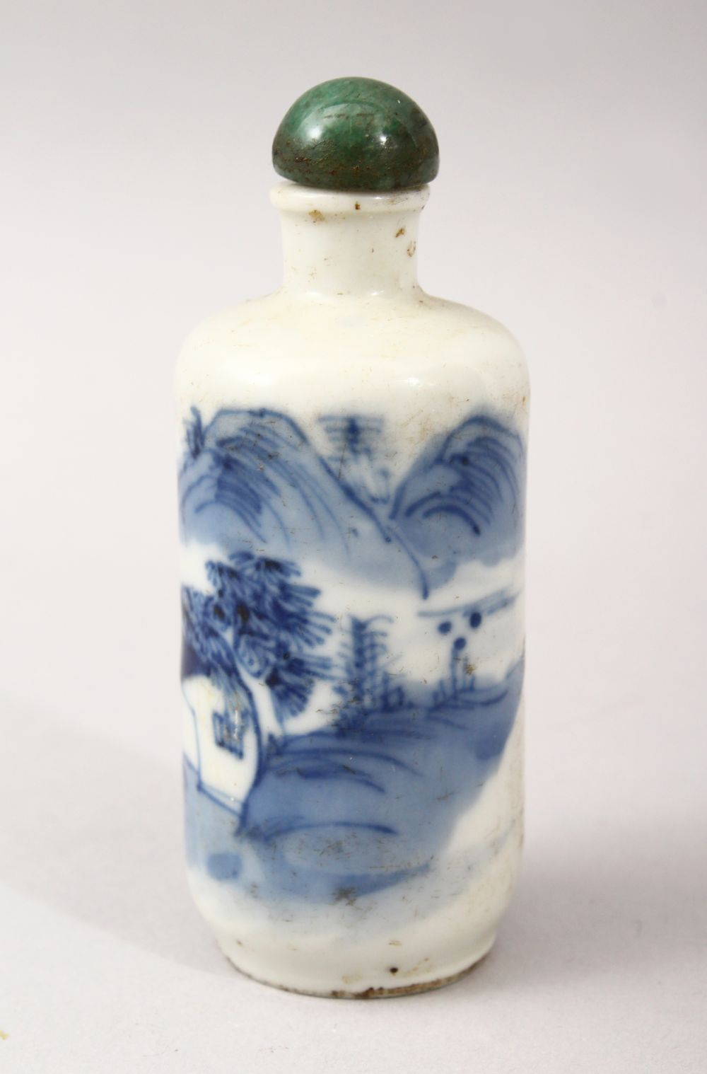 A GOOD 19TH CENTURY CHINESE BLUE & WHITE PORCELAIN SNUFF BOTTLE, Adecorated with scenes of