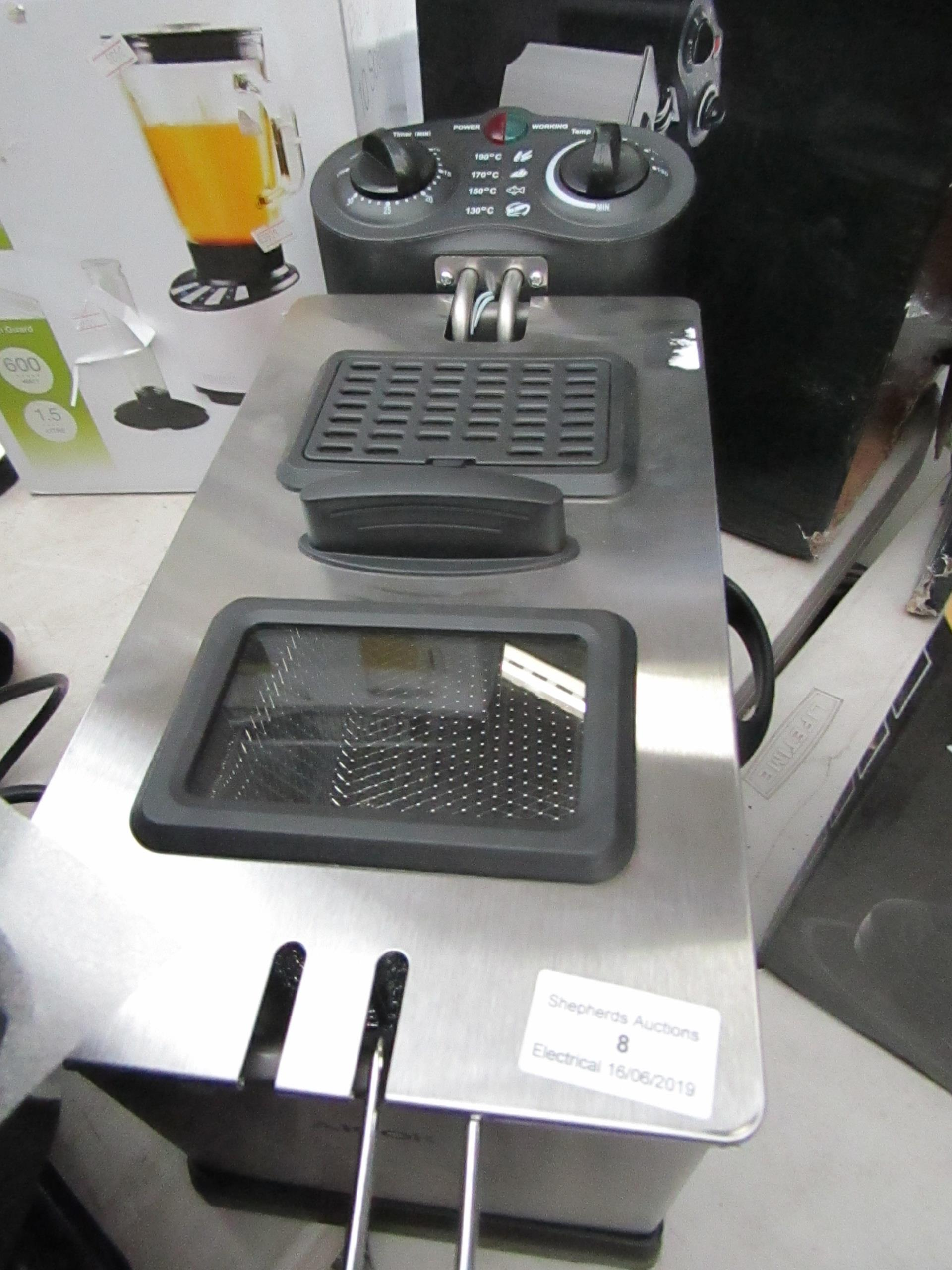 Lot 8 - Aicok deep fryer, tested working and boxed.