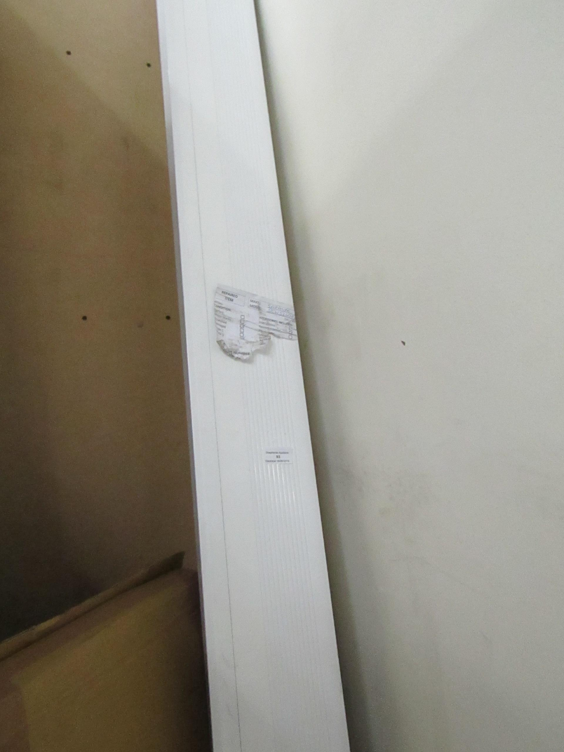 Lot 93 - Sapphire SEW5240 electric projector screen, RRP £361 tested working.
