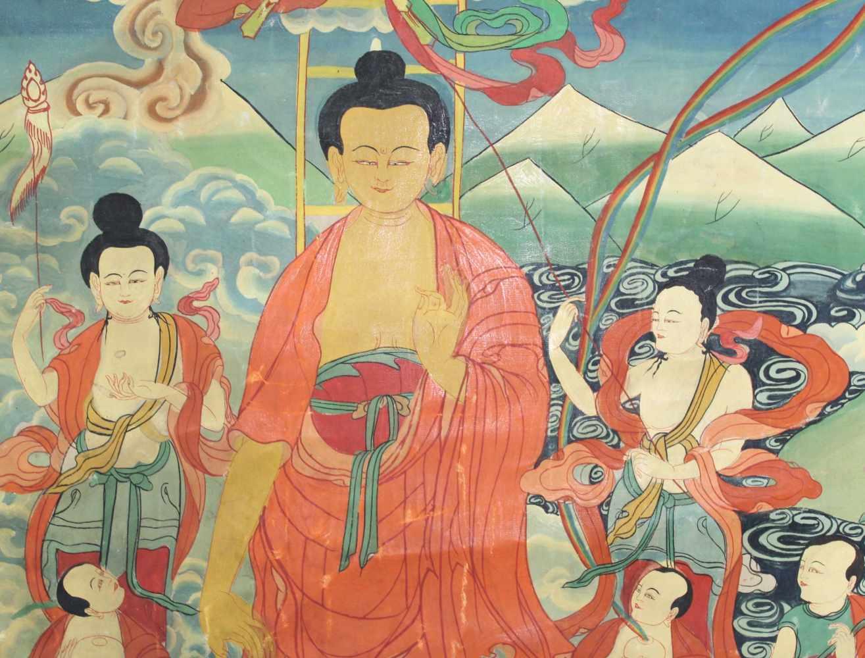 Lot 6 - Buddha Thangka, '' Herabsteigen aus dem Himmel'', China / Tibet alt.68 cm x 43 cm. Gemälde.