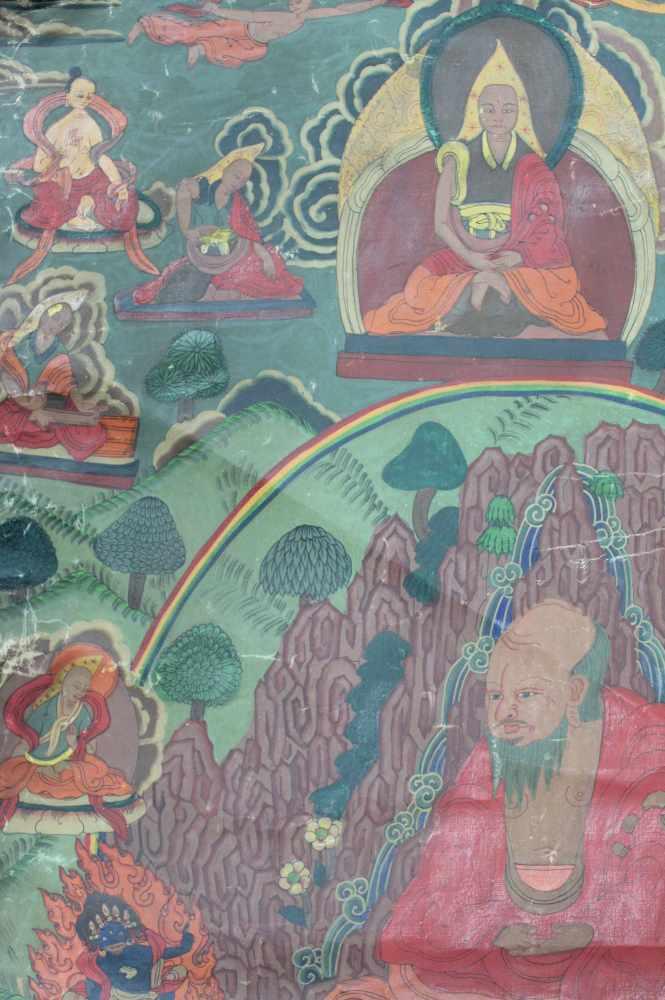 Lot 29 - Thangka, China / Tibet alt. Mittig wohl Lama mit Kelch.67 cm x 46 cm. Gemälde.Thangka, China / Tibet