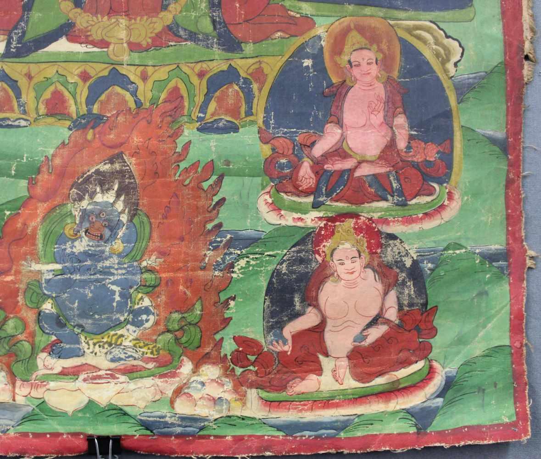 Lot 44 - Amithaba? Buddha Thangka, China / Tibet alt.69,5 cm x 50 cm. Gemälde.Amithaba? Buddha Thangka, China