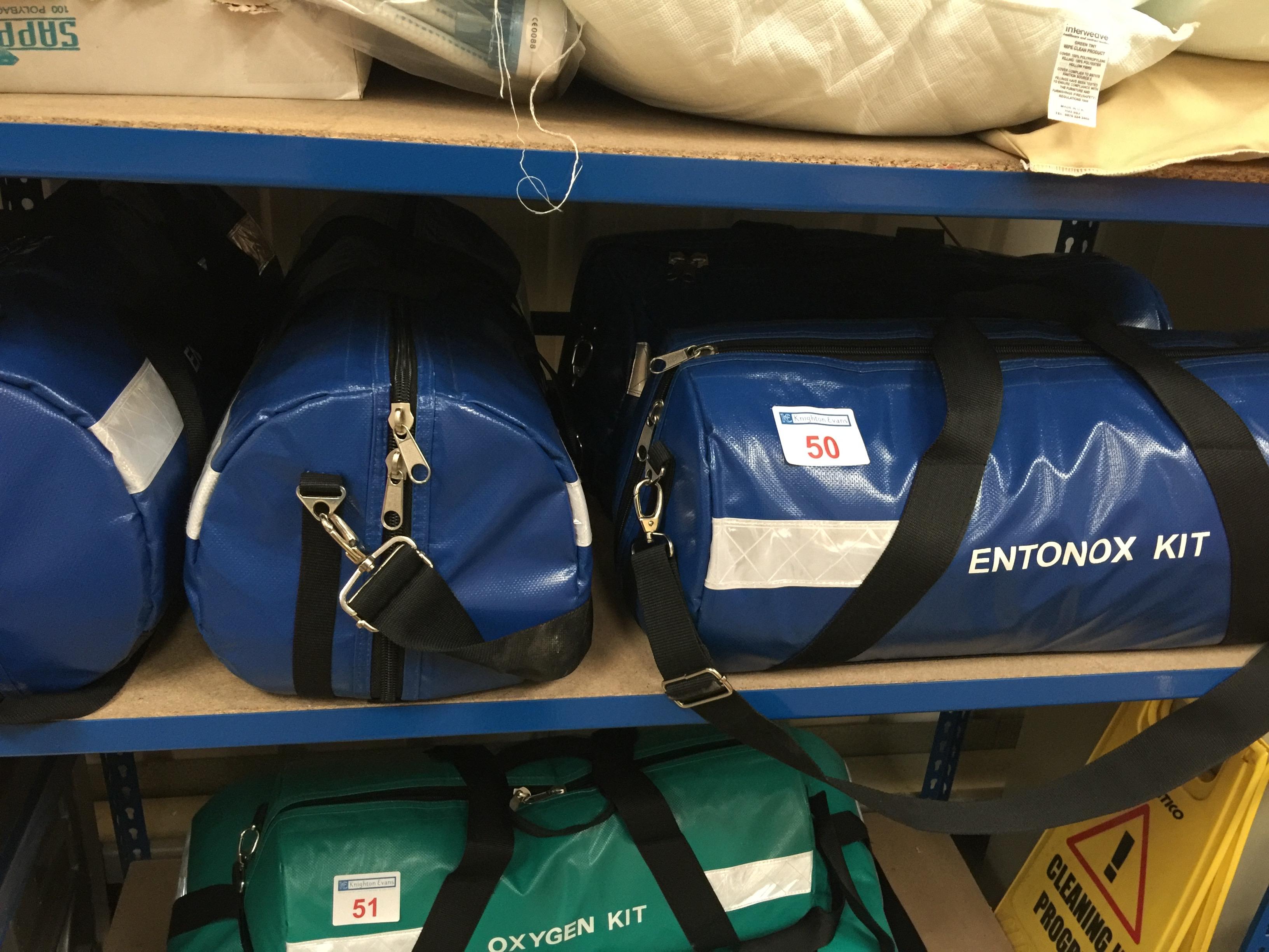 Lot 50 - 4 Paramedic Entonox kits