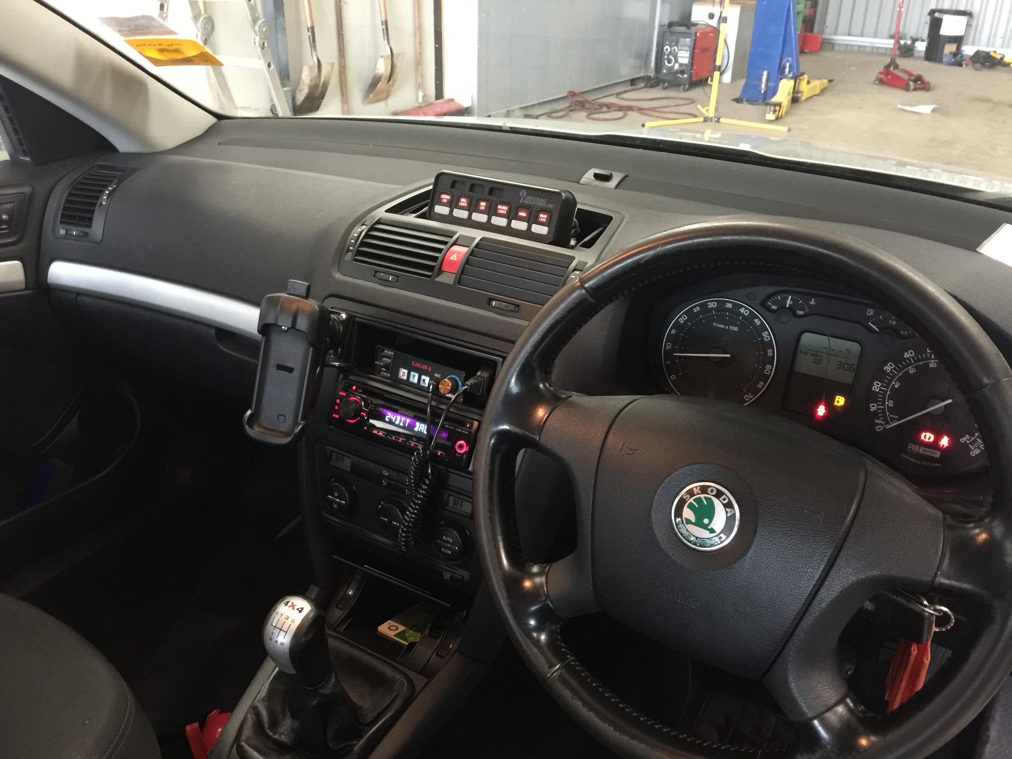 Lot 12 - Skoda Octavia 2.0Fsi all wheel drive petrol estate rapid response vehicle, registration No GN07 FPP,