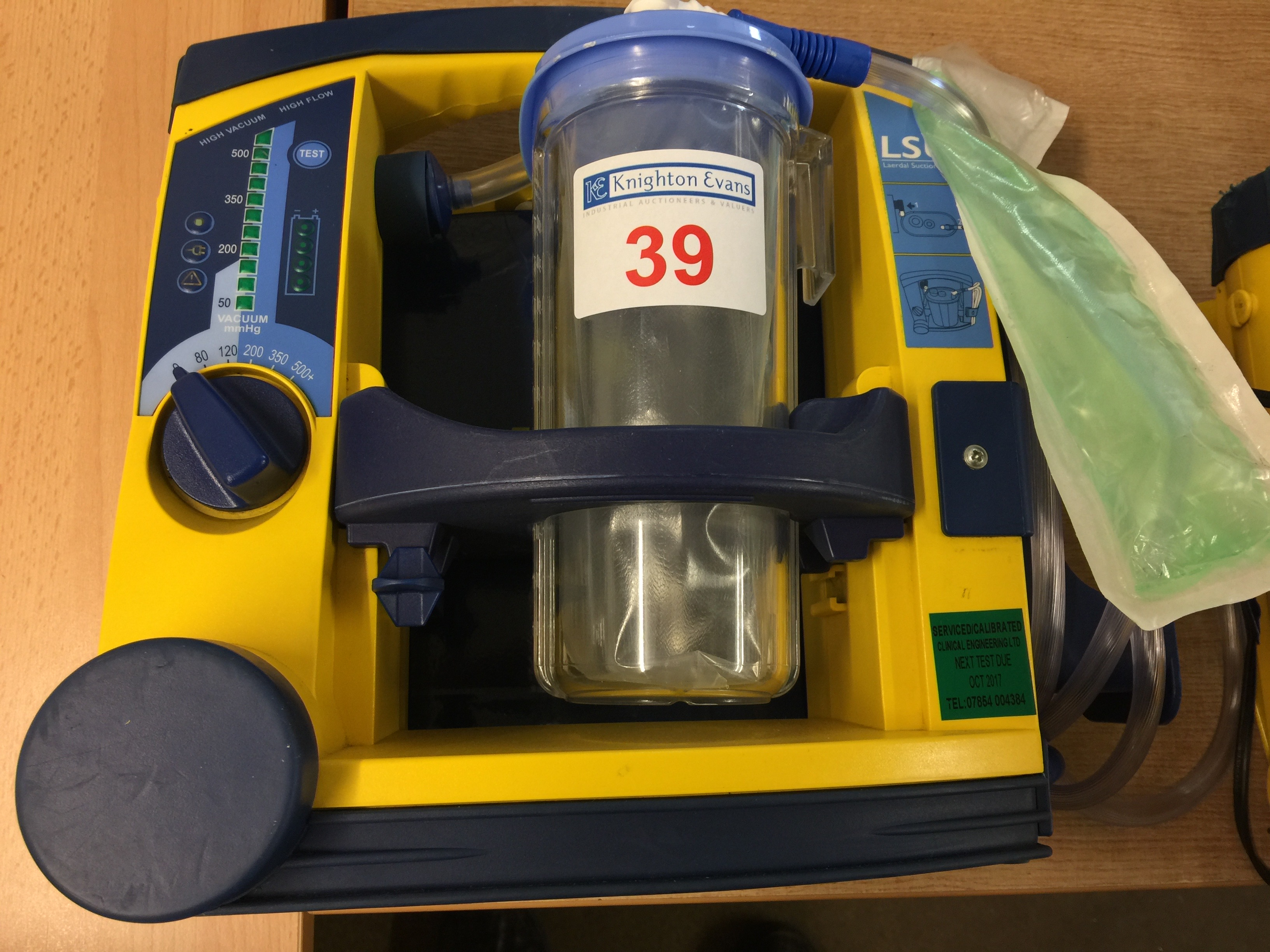 Lot 39 - Laerdal LSU portable suction unit with mounting plate, test due October 2017 (no 12v charger)