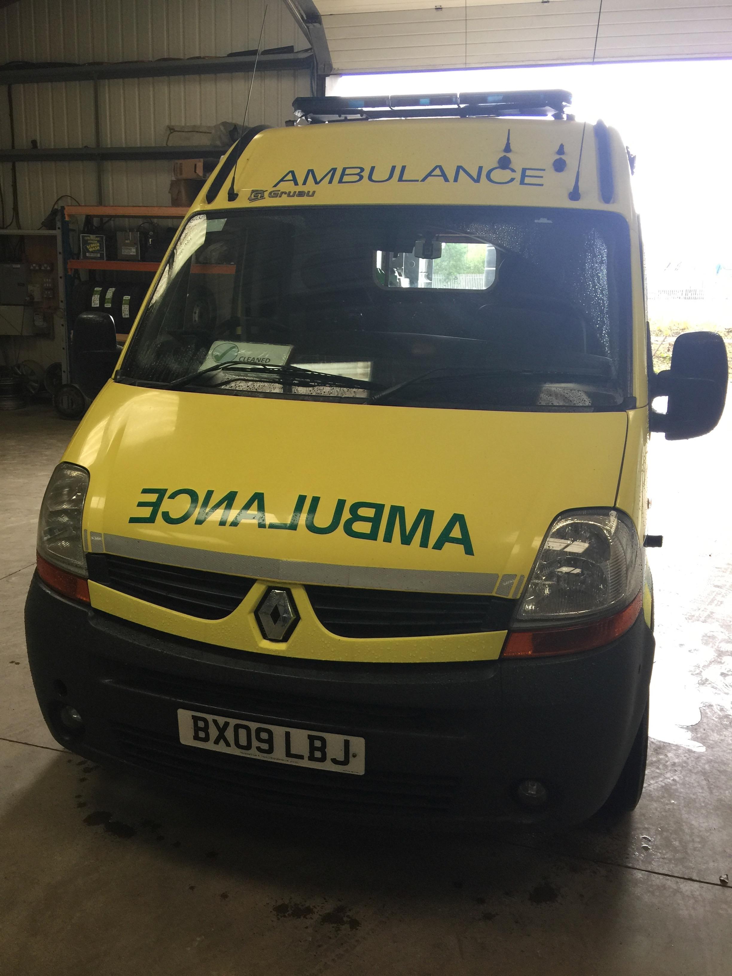 Lot 1 - Renault Master standard body HDU ambulance Registration No BX09 LBJ, 322494 recorded miles, date