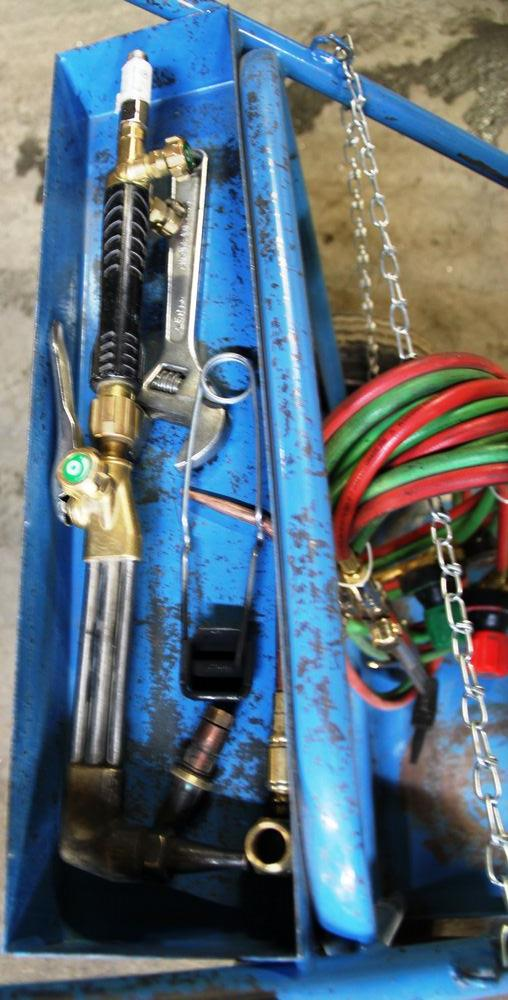 Lot 21 - VICTOR O/A SET C/W CART & SPARE CUTTING TORCH