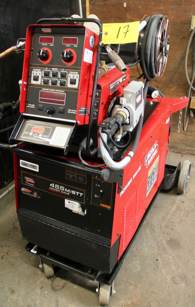 Lot 17 - LINCOLN POWERWAVE 455M/STT ELECTRIC POWERED WELDER, C/W LINCOLN POWER FEED 10M DUAL FEED WIRE