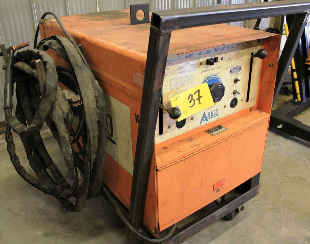 Lot 37 - AIRCO 250 AMP ELECTRIC POWERED WELDER C/W LEADS