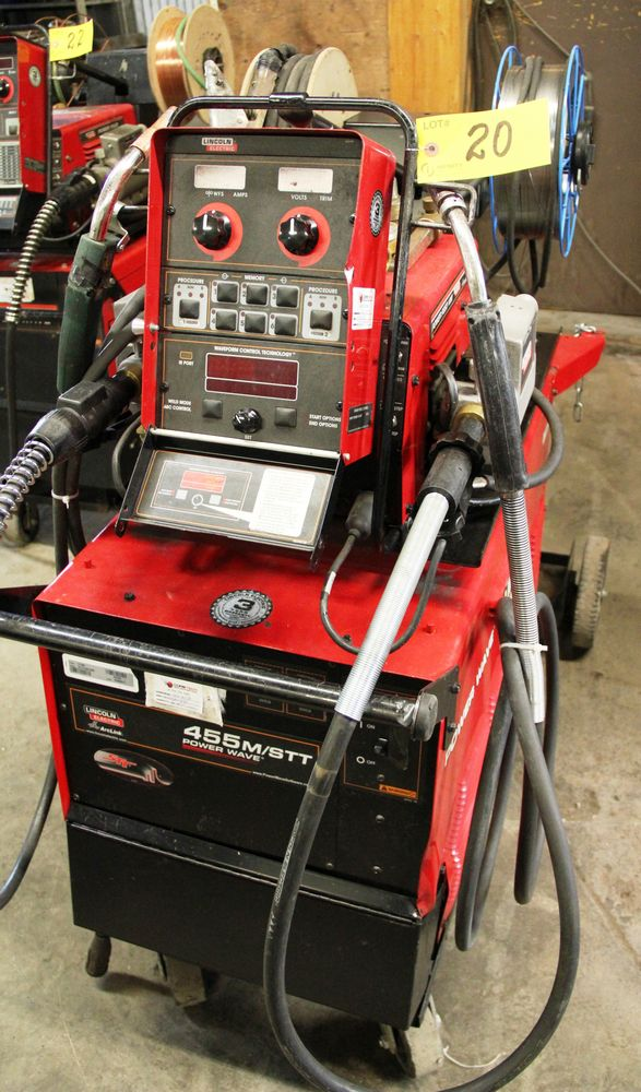 Lot 20 - LINCOLN POWERWAVE 455M/STT ELECTRIC POWERED WELDER, C/W LINCOLN POWER FEED 10M DUAL FEE WIRE FEEDER,
