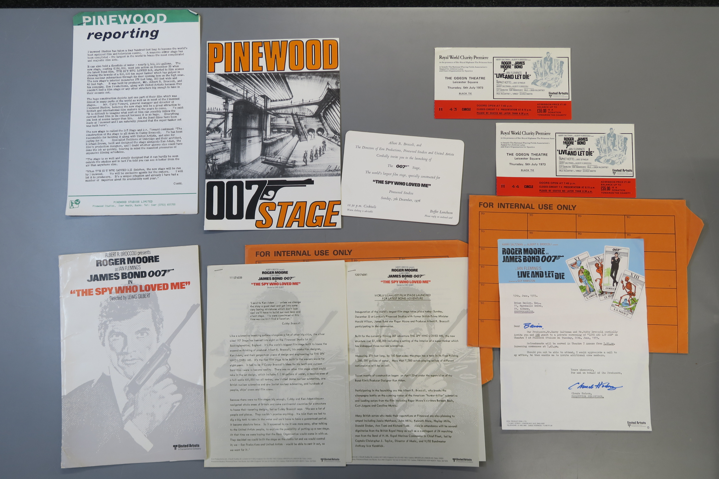 Lot 21 - JAMES BOND 007 : Live and Let Die signed private invitation of tarot card full colour letter head