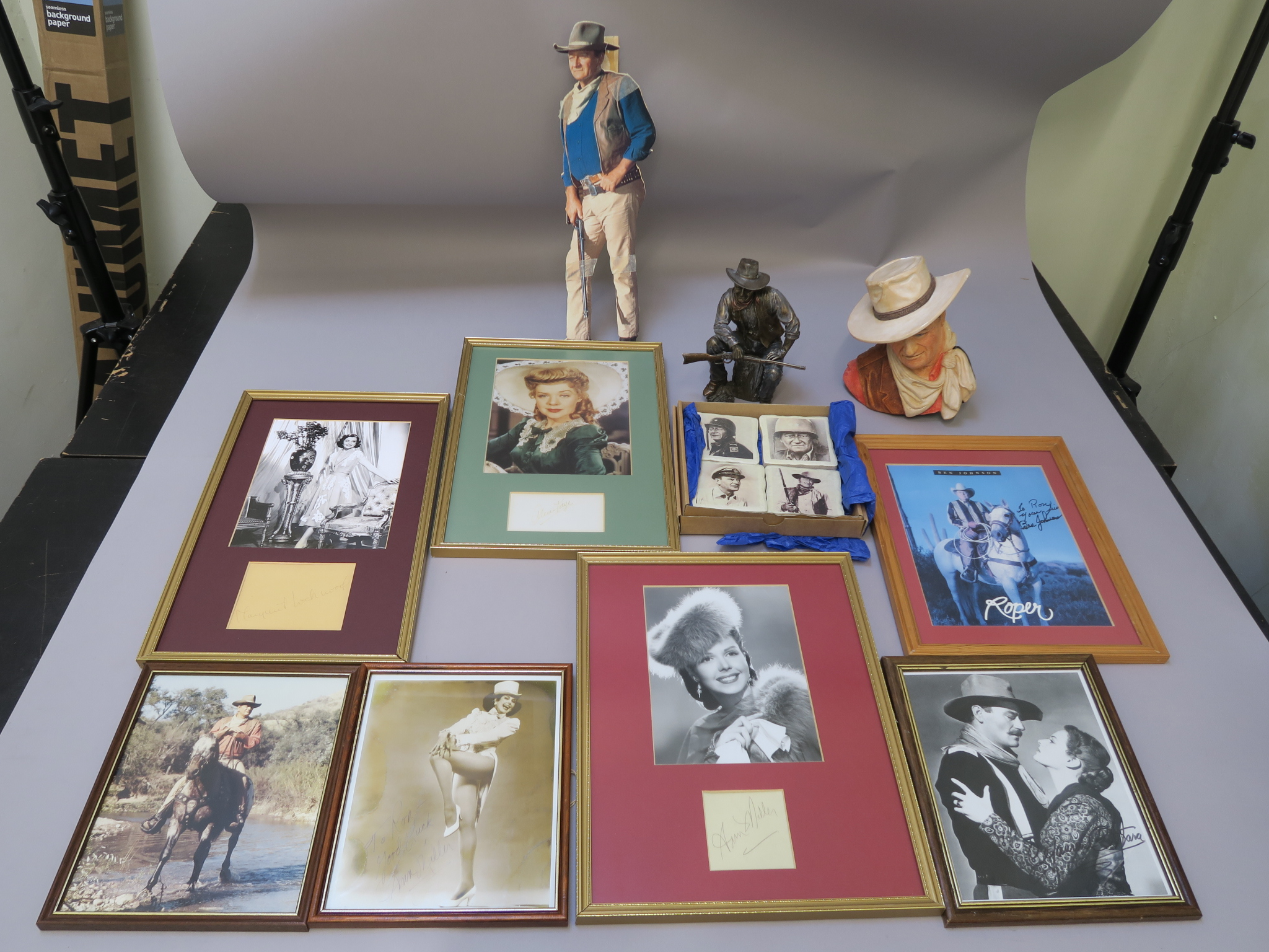 Lot 31 - John Wayne Bronze Art Gallery statue handmade with original box plus John Wayne bust no 24 made by