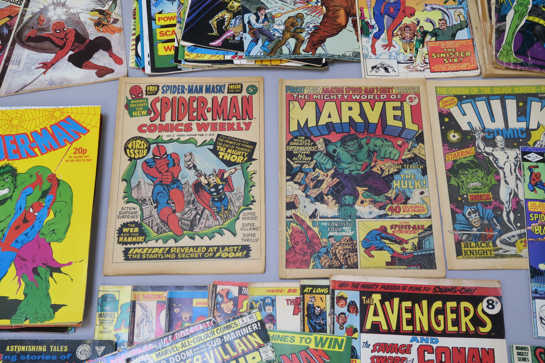 Lot 266 - Collection of vintage Marvel UK & US comic books including UK - Spider-man Comics Weekly no 1,