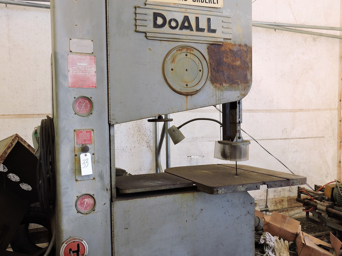 """Lot 9 - DO ALL 36"""" THROAT ZEPHYR MODEL 3620 VERTICAL BANDSAW: S/N31-682511; SHIPPING DIMS 48"""" DEEP X 68"""""""