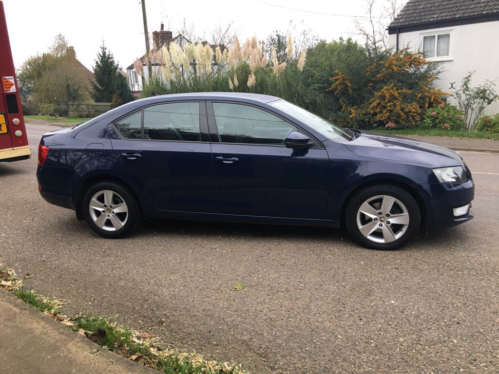 reg 13 2013 skoda octavia se 1 6 tdi cr dsg automatic log book present mot till august 2018. Black Bedroom Furniture Sets. Home Design Ideas