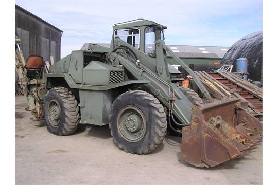 Tractor Loader Boom Middle Steeering : Muir hill a appraisal backhoe loader in bucket